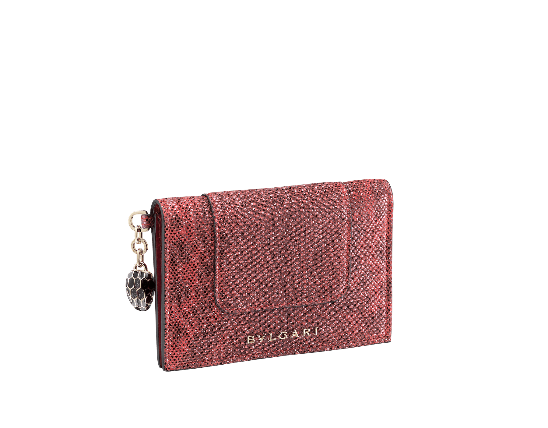 Étui pour cartes de crédit à deux volets Serpenti Forever en karung métallisé couleur rouge rubis. Bijou Serpenti emblématique en émail noir et argenté scintillant avec yeux en émail noir SEA-CC-HOLDER-FOLD-MKb image 1
