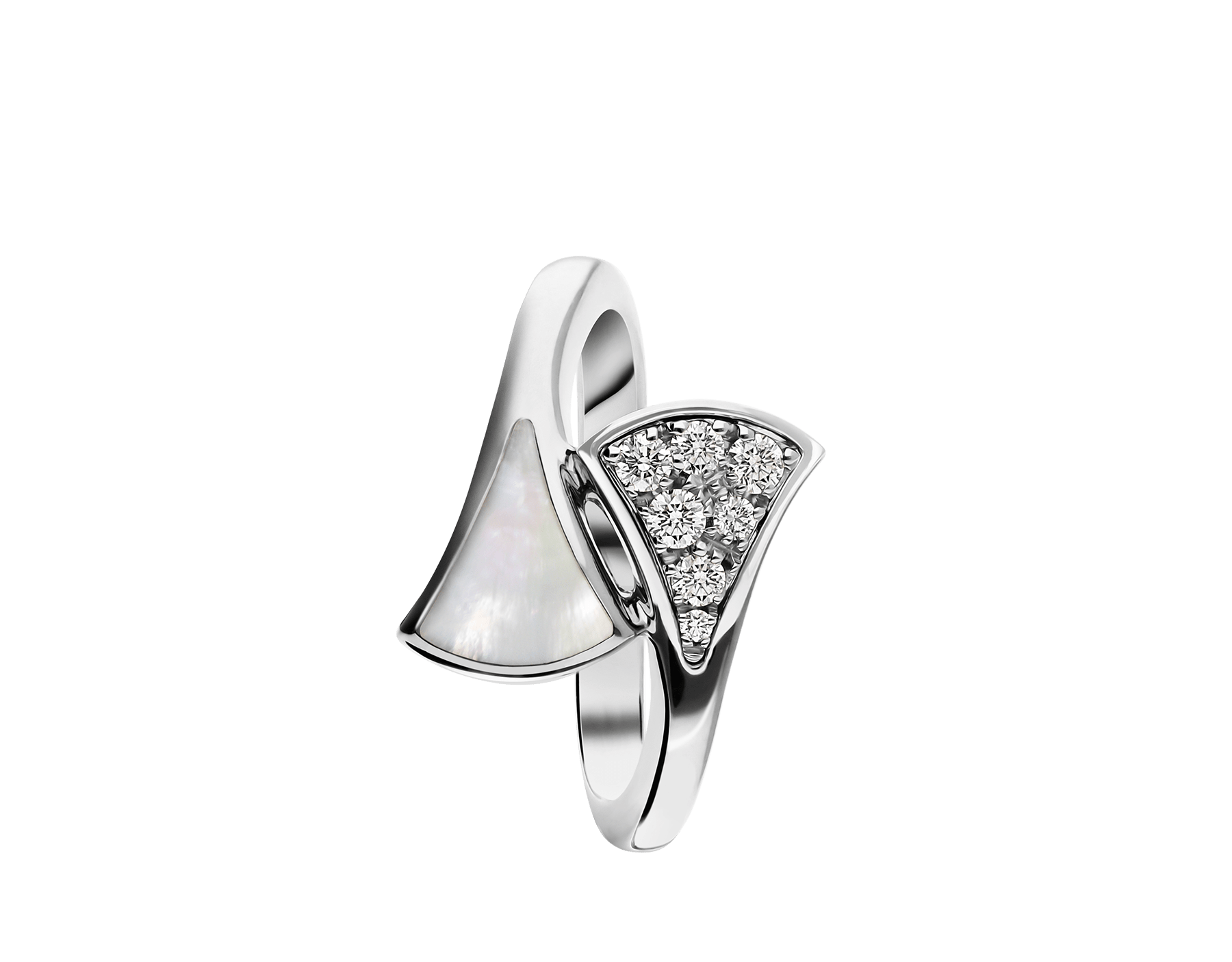 DIVAS' DREAM small contraire ring in 18 kt white gold, set with mother-of-pearl and pavé diamonds (0.10 ct). AN858004 image 2