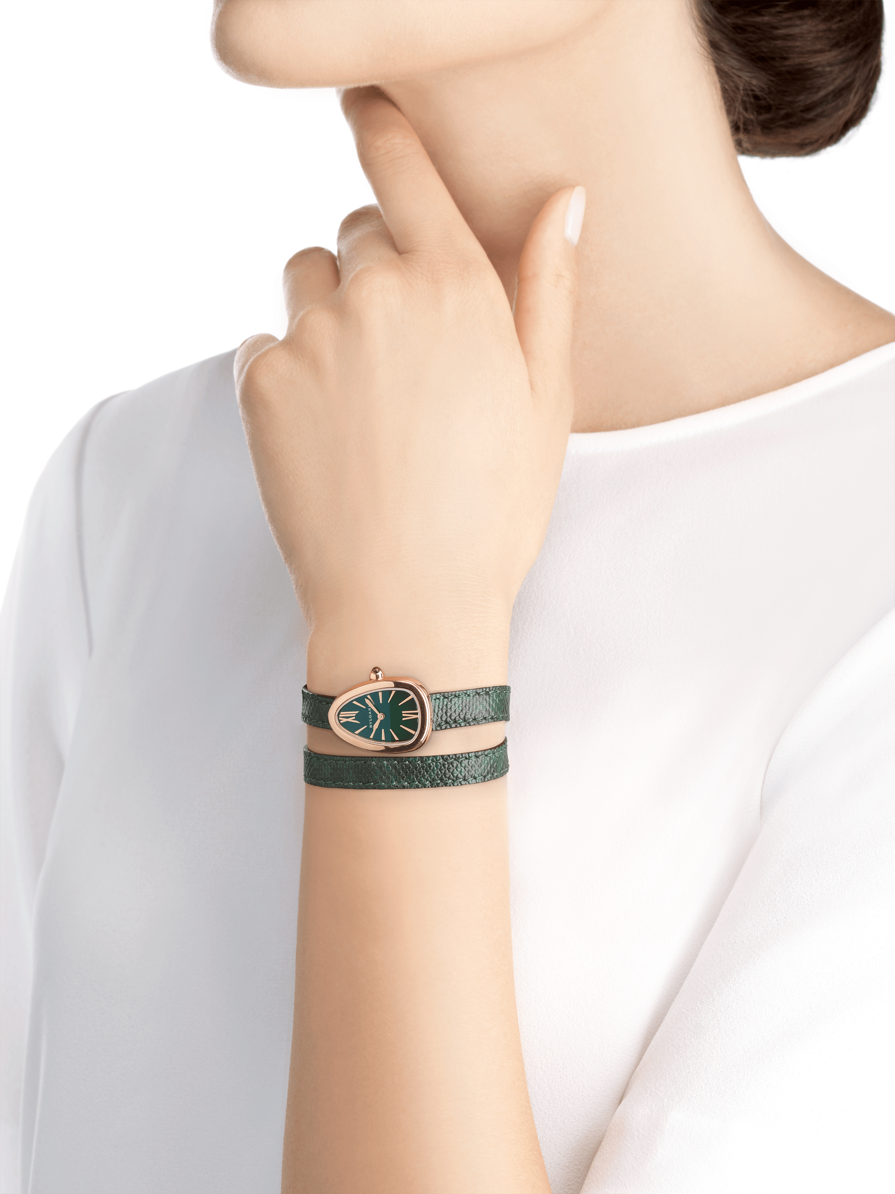 Serpenti watch with 18 kt rose gold case, green lacquered dial and interchangeable double spiral bracelet in green karung leather. 102726 image 4