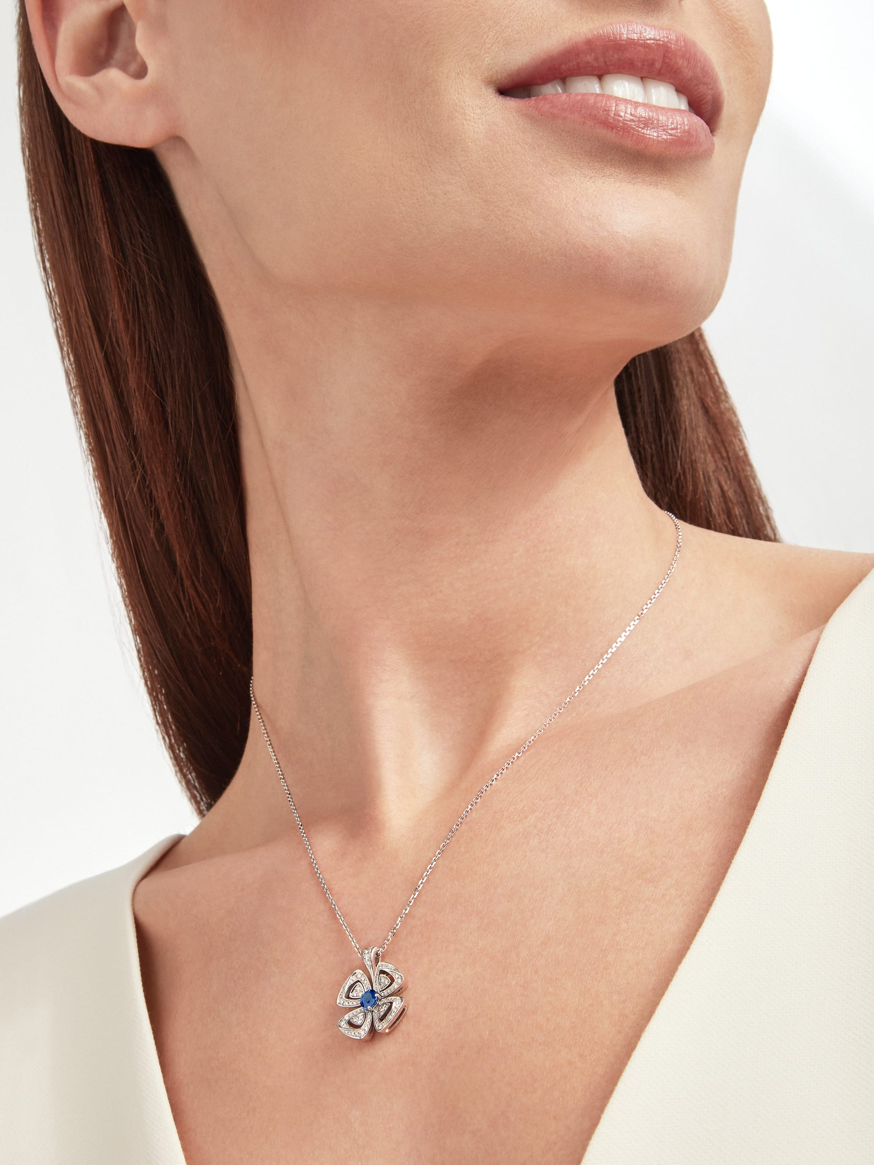 Fiorever 18 kt white gold pendant necklace set with a central brilliant-cut sapphire (0.43 ct) and pavé diamonds (0.31 ct) 358426 image 5