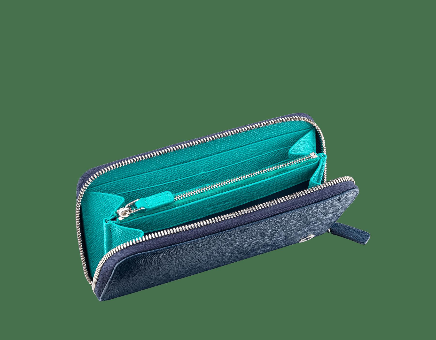 BVLGARI BVLGARI 男用拉鍊皮夾採用丹寧藍和熱帶綠松石色珠面小牛皮。經典品牌標誌鍍鈀黃銅元素。 288254 image 2