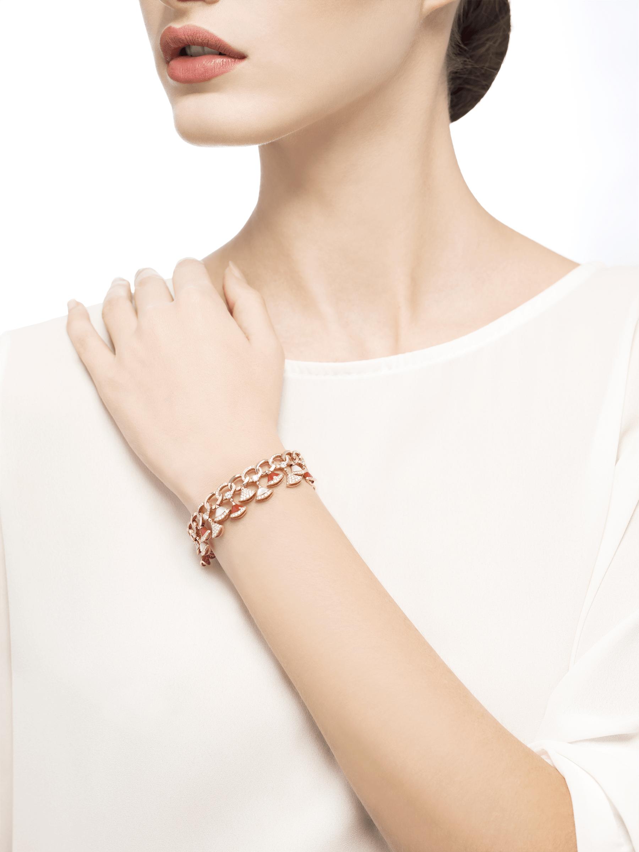 Pulsera DIVAS' DREAM en oro rosa de 18 qt con elementos de cornalina y madreperla, diamantes y pavé de diamantes (4,30 ct). BR858051 image 4