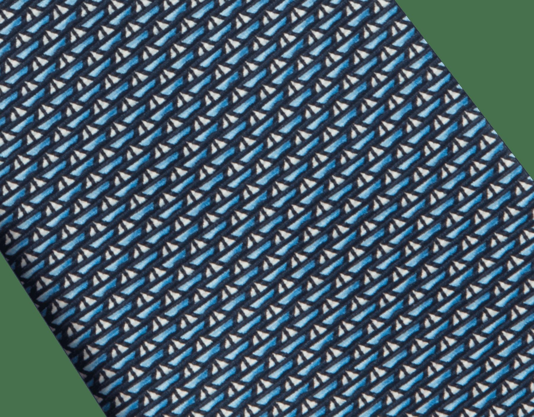 """Siebenfach gefaltete marineblaue Krawatte mit """"On the waves""""-Muster aus feiner bedruckter Saglione-Seide. 242122 image 2"""