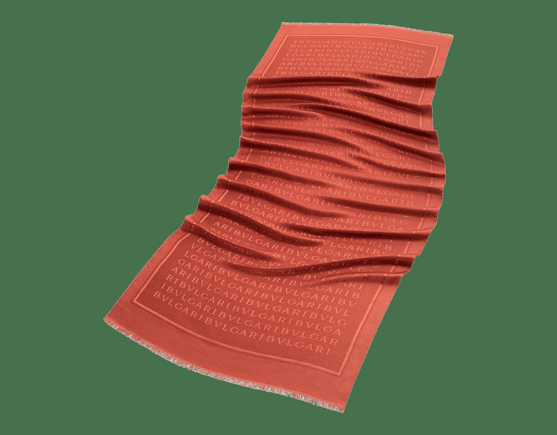 Étole Lettere Maxi couleur Imperial Topaz en laine et soie fine. 244067 image 1
