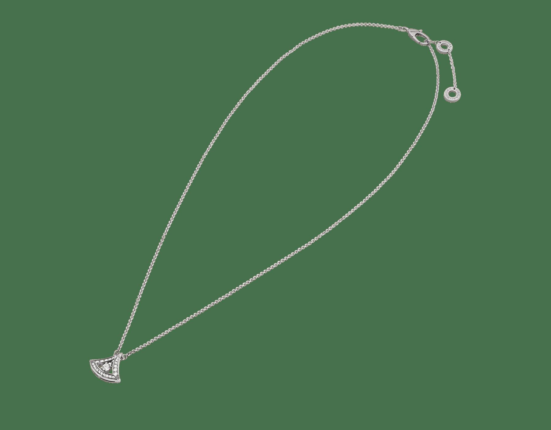 Collier ajouré DIVAS' DREAM en or blanc 18K, pendentif en or blanc 18K avec diamant de centre et pavé diamants (0,25ct). 354049 image 2