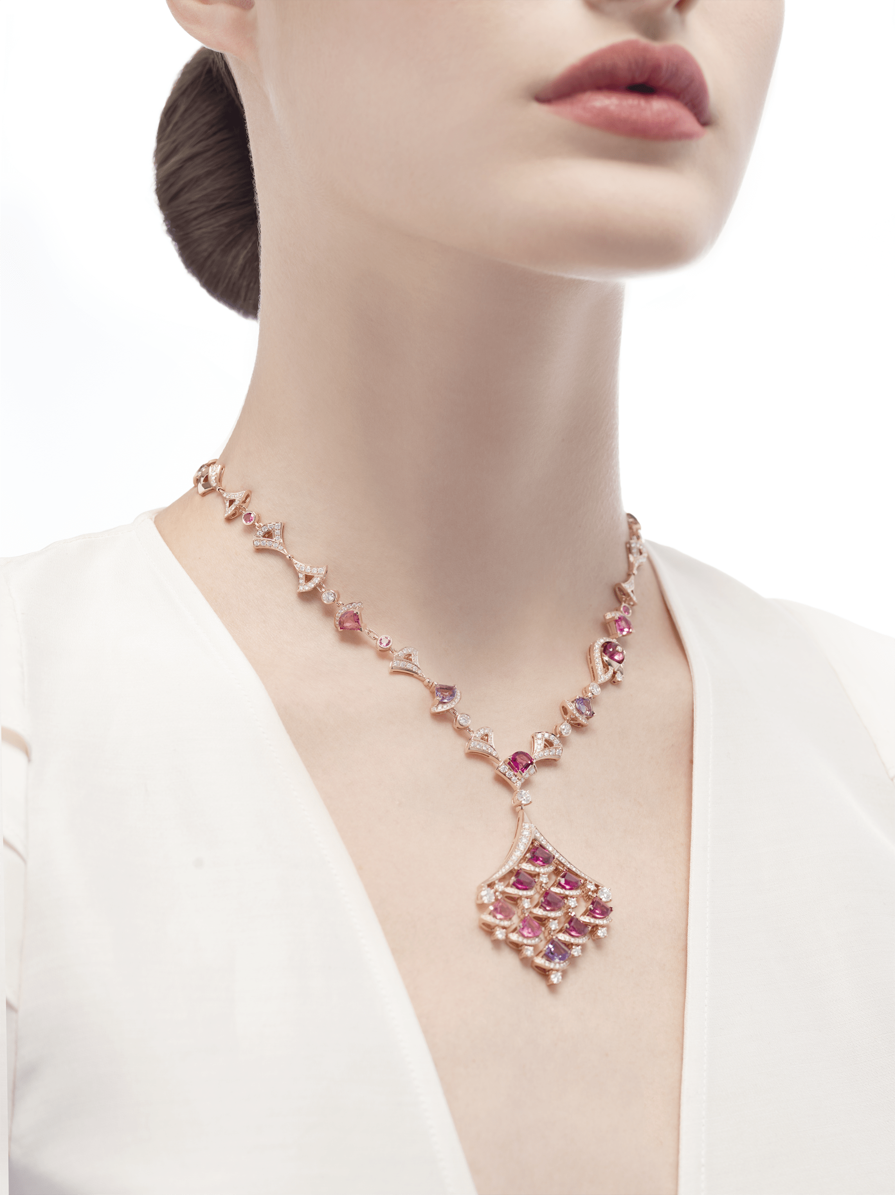 DIVAS' DREAM necklace in 18 kt rose gold set with pink rubellite (3.50 ct), pink tourmaline (8.30 ct) amethysts (2.50 ct) and pavé diamonds (6.75 ct). 354074 image 2