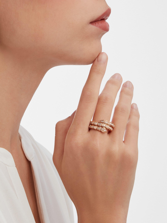Bague deux tours Serpenti Viper en or rose 18K avec pavé diamants AN858794 image 2