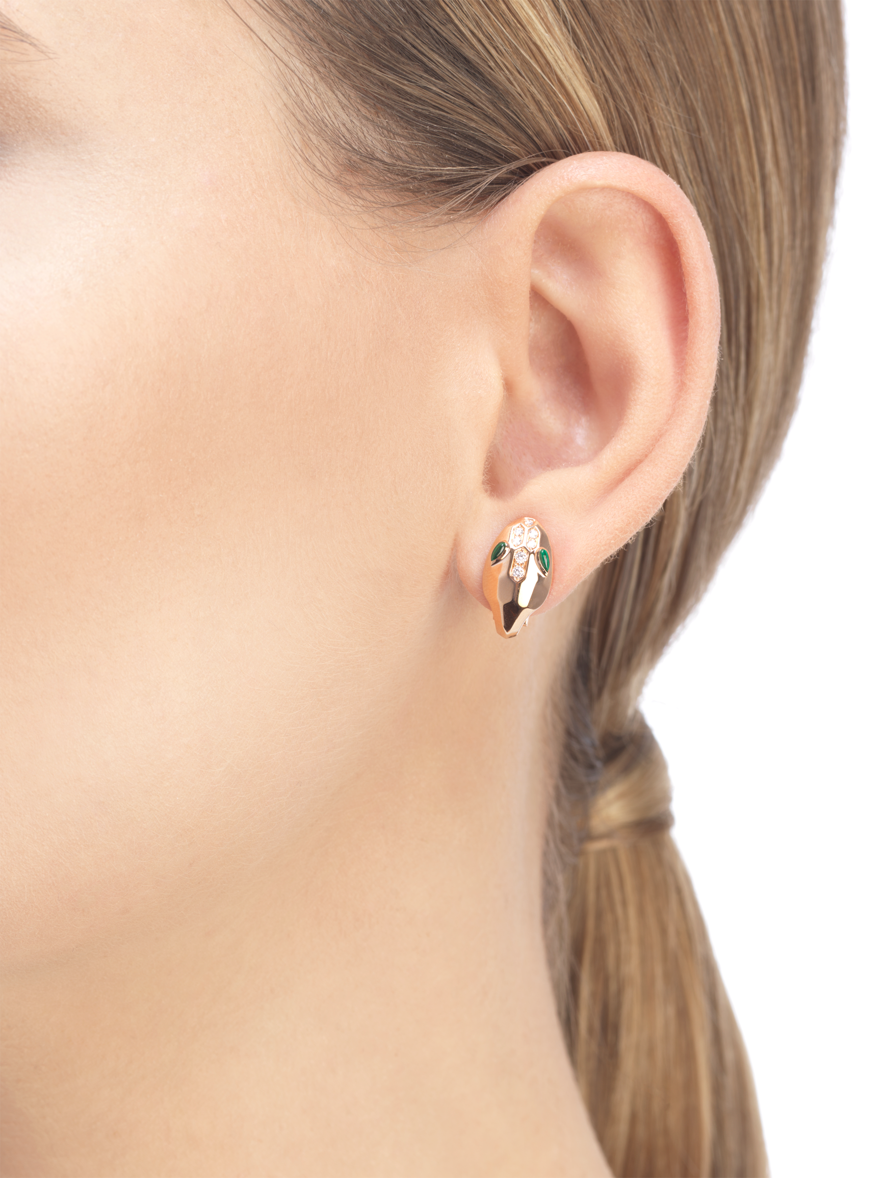 Serpenti earrings in 18 kt rose gold, set with malachite eyes and demi pavé diamonds. 352701 image 3
