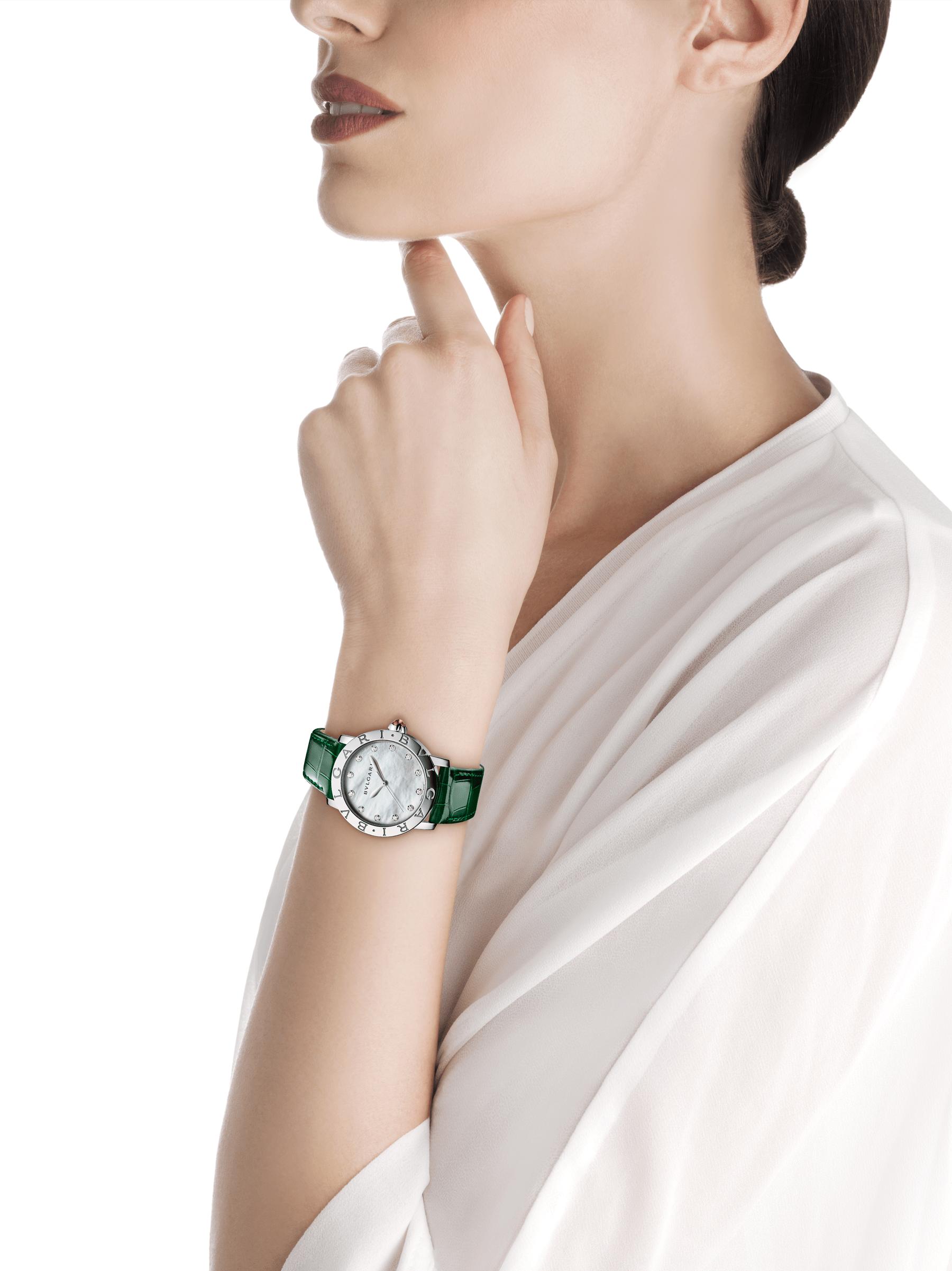 BVLGARI BVLGARI Uhr mit Gehäuse aus Edelstahl, weißem Perlmuttzifferblatt, Diamantindizes und Armband aus glänzend grünem Alligatorleder 102746 image 4