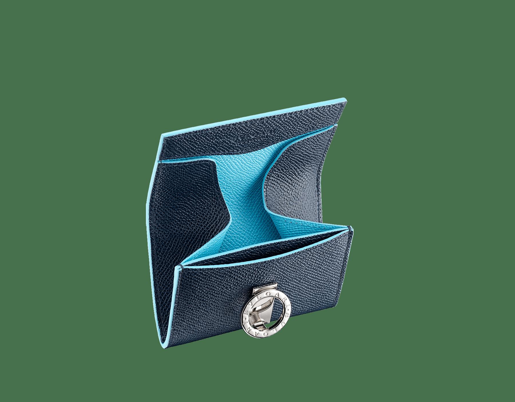 Denim SapphireのブルーとAegean Topazのライトブルーのカーフレザー製「ブルガリ・ブルガリ」コインパース。 ブラスパラジウムプレートのアイコニックなロゴのクロージャークリップ。 290671 image 2