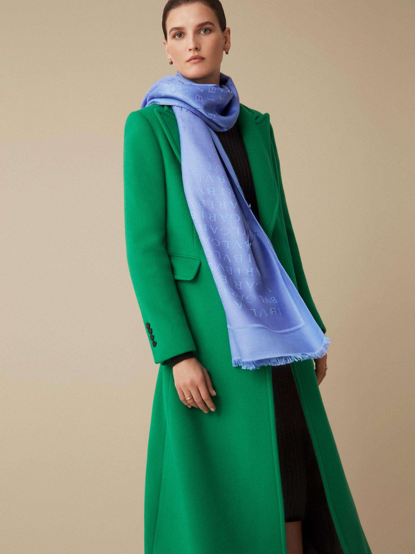 Étole Lettere Maxi en laine et soie fine couleur lilas Lavender Amethyst. 244607 image 2
