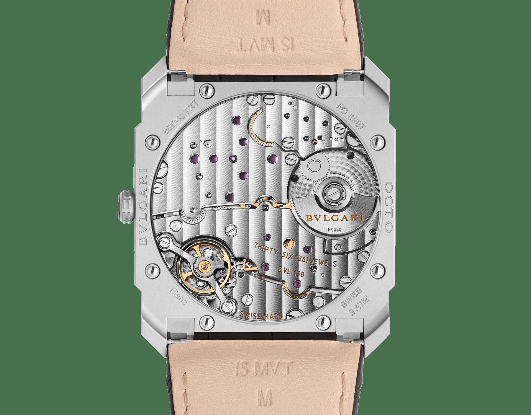 Часы Octo Finissimo Automatic, мануфактурный механизм с автоматическим заводом, микроротор из платины, малая секундная стрелка, ультратонкий корпус из нержавеющей стали, циферблат из нержавеющей стали, черный ремешок из кожи аллигатора 103035 image 4