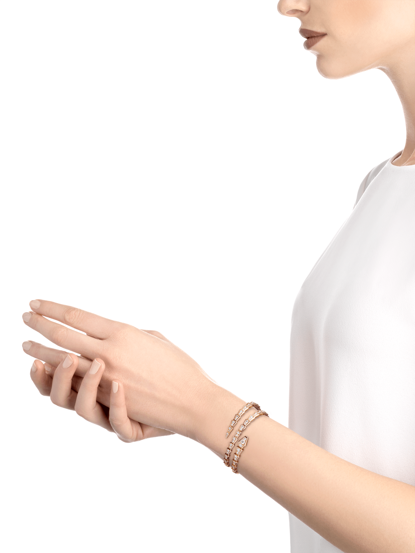 18 K ピンクゴールド製セルペンティ ヴァイパー ダブルコイルブレスレット。パヴェダイヤモンドをあしらいました。 BR858796 image 3