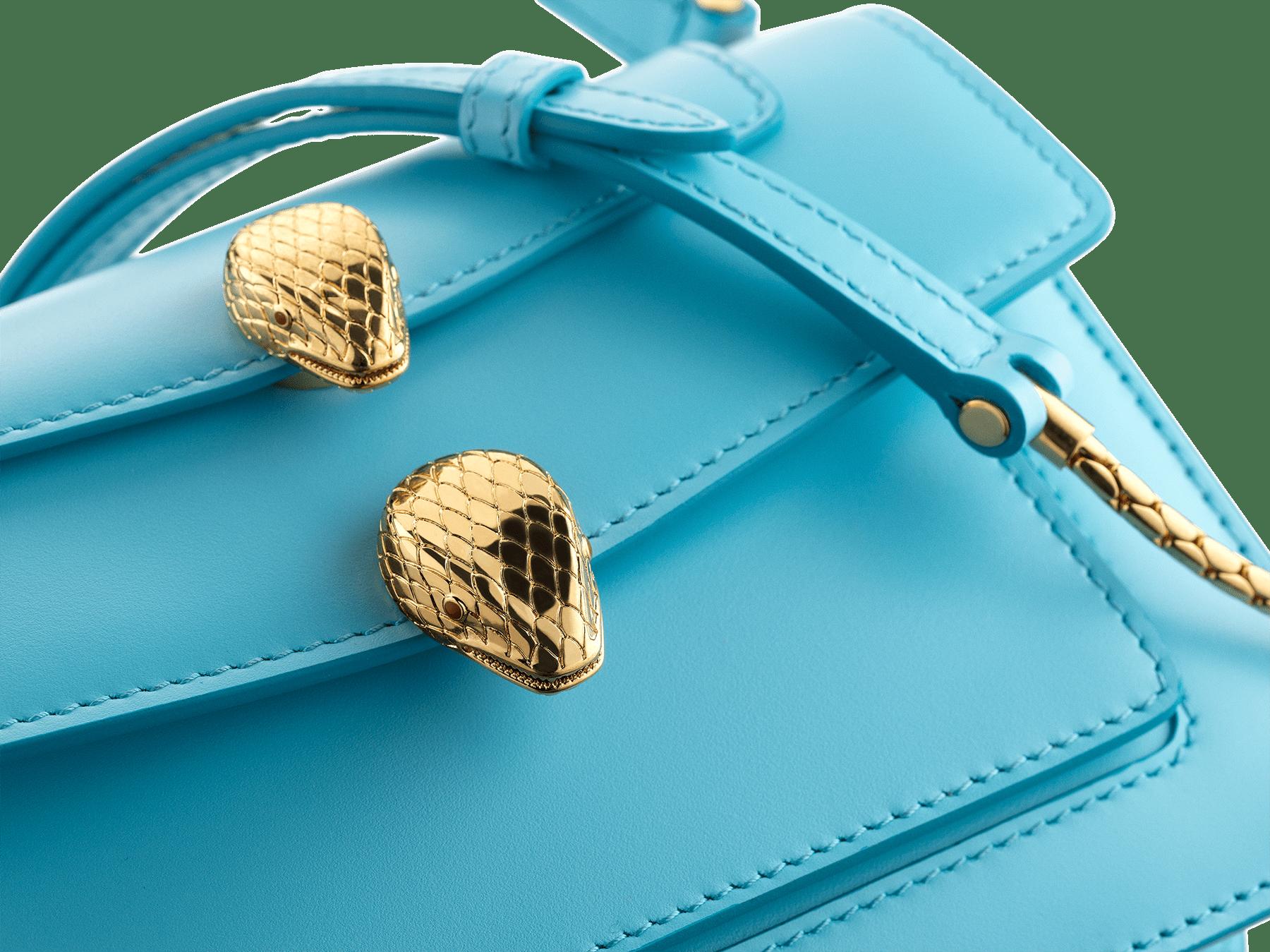 Belt bag Alexander Wang x Bvlgari en cuir de veau lisse pêche. Nouveau fermoir Serpenti double en laiton doré ancien avec yeux en émail rouge envoûtants. SFW-001-1029S image 6