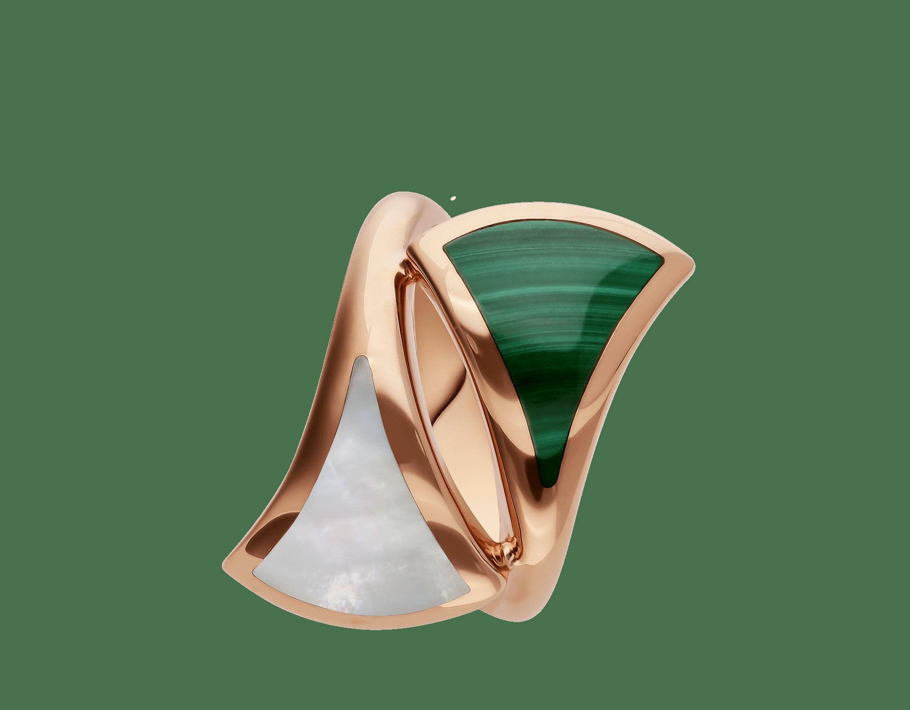 Anello DIVAS' DREAM contraire in oro rosa 18 kt con madreperla e malachite. AN857955 image 2