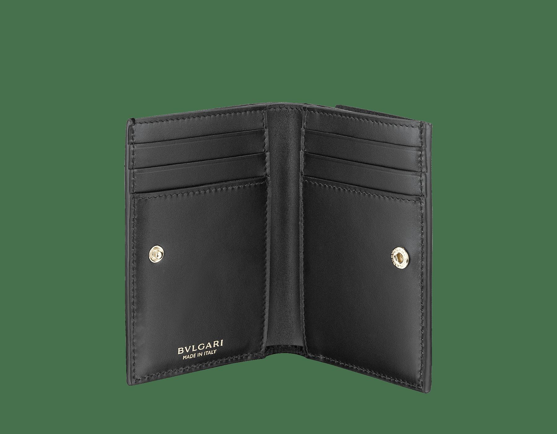 Étui pour cartes de crédit à deux volets B.zero1 en cuir de chèvre noir. Emblématique bijou B.zero1 en laiton doré. 289150 image 2