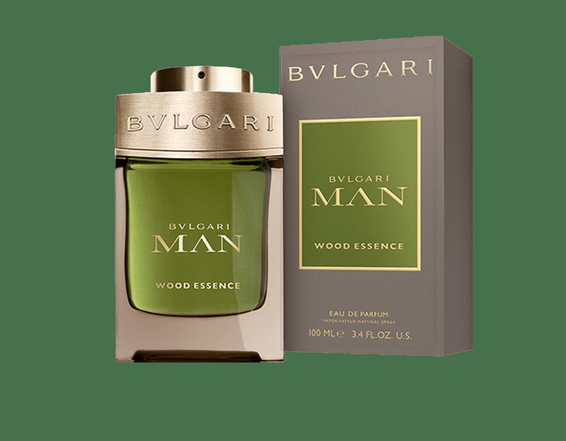 Une signature boisée nouvelle génération composée des essences les plus raffinées de la parfumerie – le cèdre, le cyprès et le vétiver – faisant écho aux notes chaudes et ensoleillées des résines de benjoin 46100 image 3