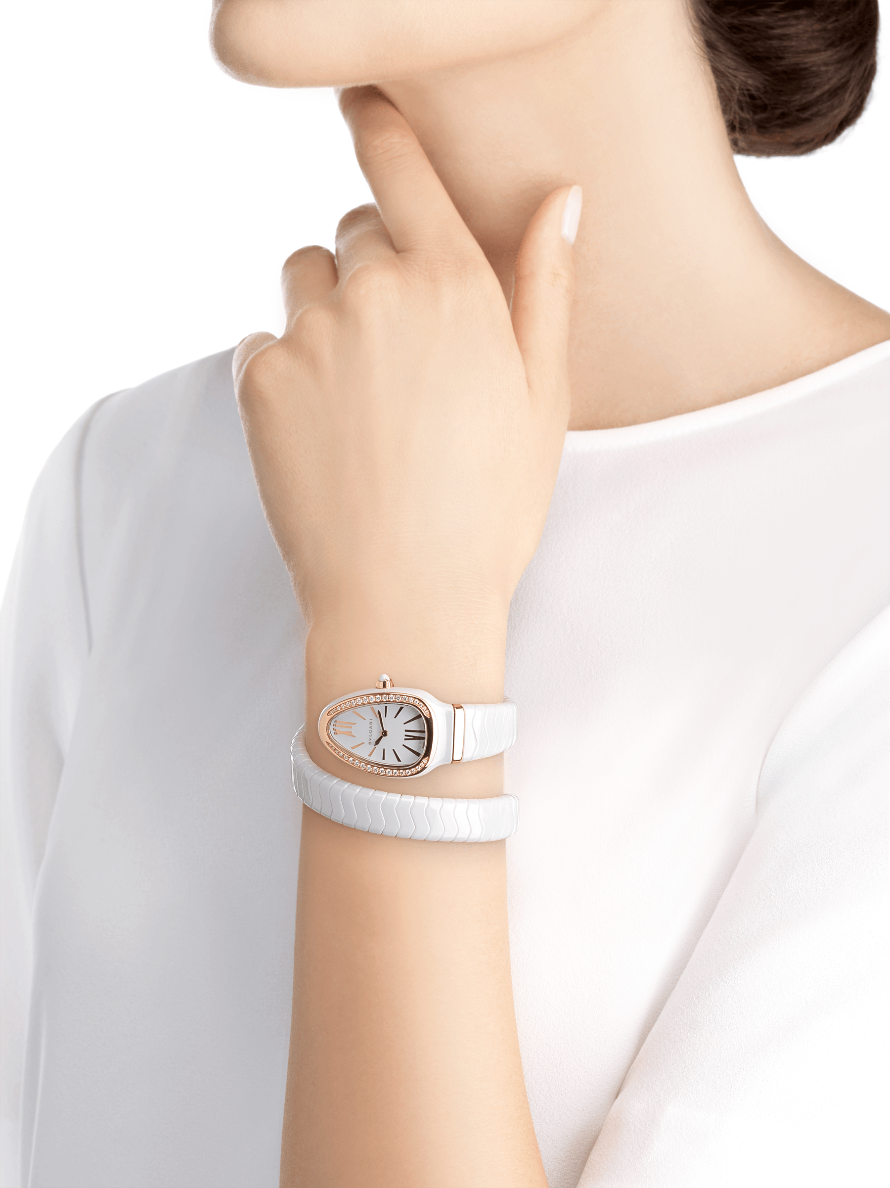 Serpenti Spiga single spiral watch with white ceramic case, 18 kt rose gold bezel set with brilliant cut diamonds, white lacquered dial, white ceramic bracelet with 18 kt rose gold elements. 102613 image 4
