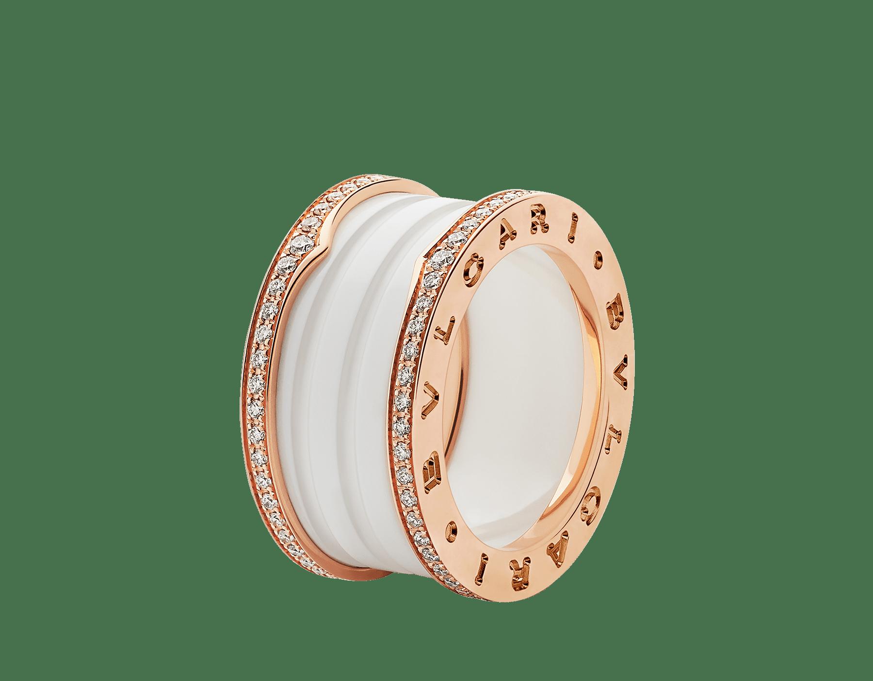 Anillo B.zero1 de cuatro bandas con dos aros en oro rosa de 18 qt con pavé de diamantes en los bordes y una espiral de cerámica blanca. B-zero1-4-bands-AN857030 image 1