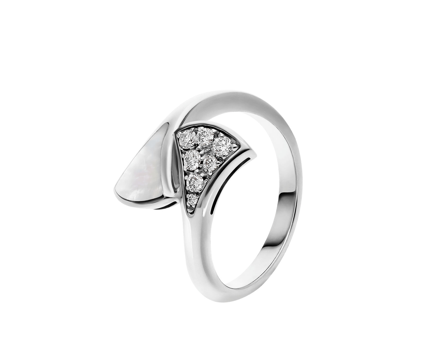 DIVAS' DREAM small contraire ring in 18 kt white gold, set with mother-of-pearl and pavé diamonds (0.10 ct). AN858004 image 1