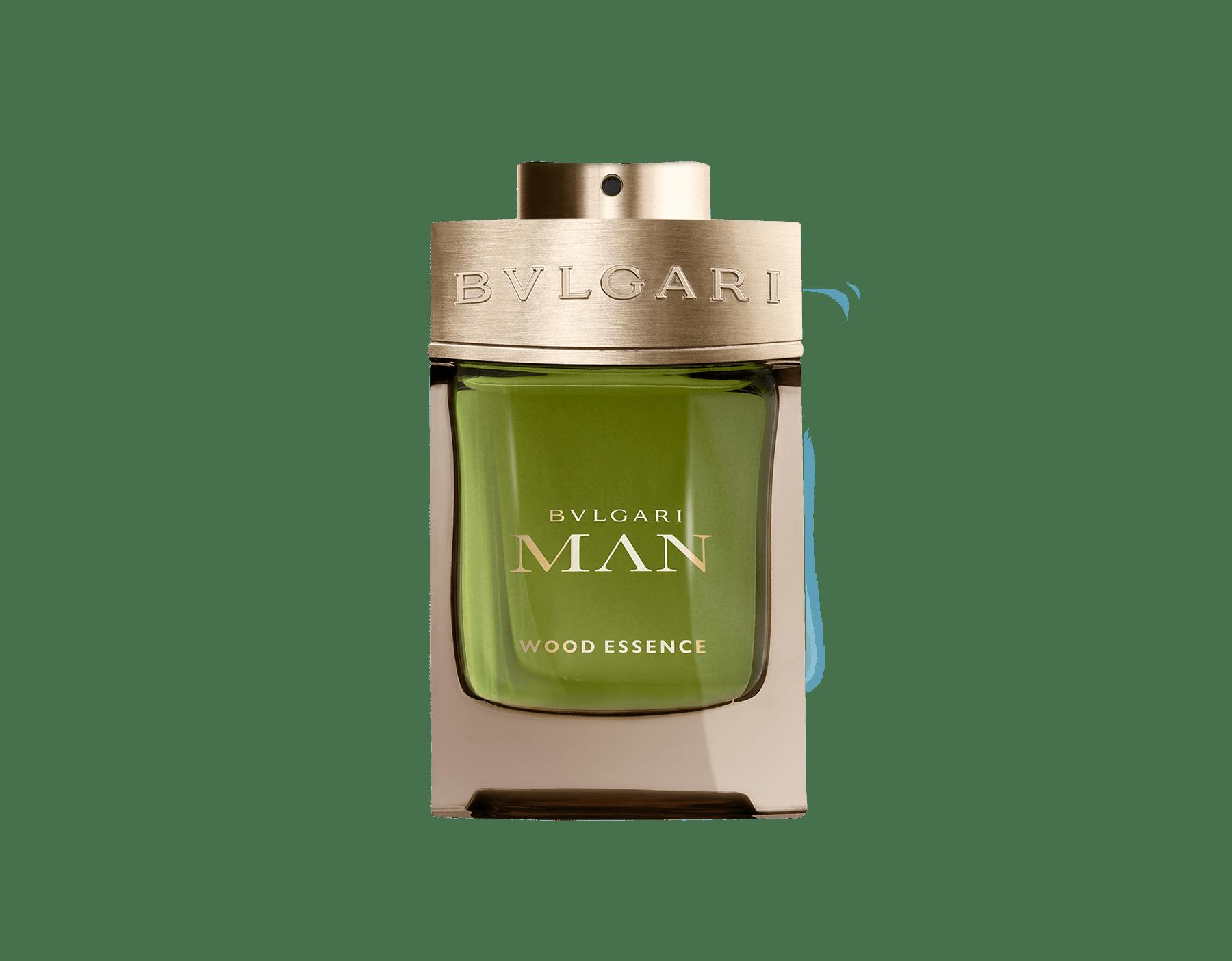 Uma assinatura neo-amadeirada que une as melhores essências de perfumaria – cedro, cipreste e vetiver – e que ressoa com as notas quentes e solares das resinas de benjoim 46100 image 1