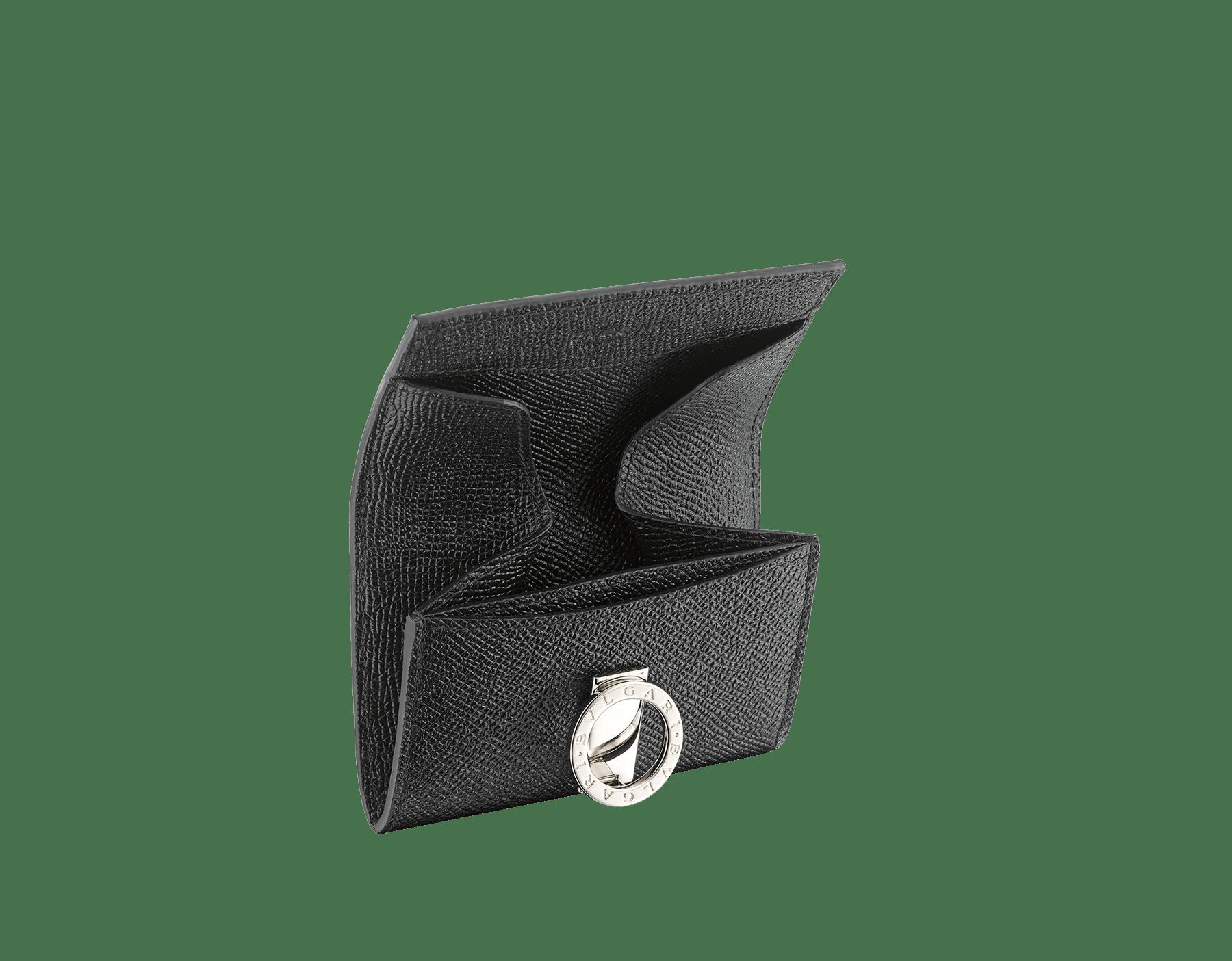 エメラルドグリーンとブラックのグレインカーフレザー製「ブルガリ・ブルガリ」コインパース。モアレブラックナッパの裏地。ブラスパラジウムプレートのアイコニックなロゴのクロージャークリップ。 BCM-WLT-S-RECTa image 2