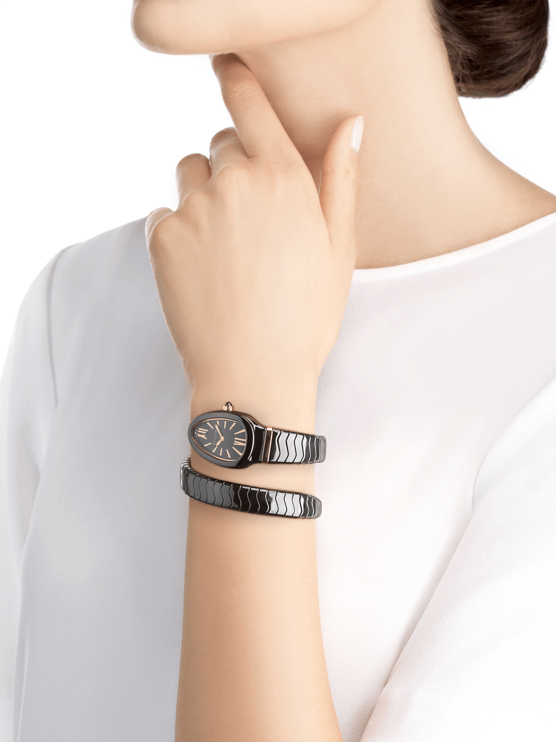 Serpenti Spiga single spiral watch with black ceramic case, black lacquered dial and black ceramic bracelet set with 18 kt rose gold elements. 102734 image 4
