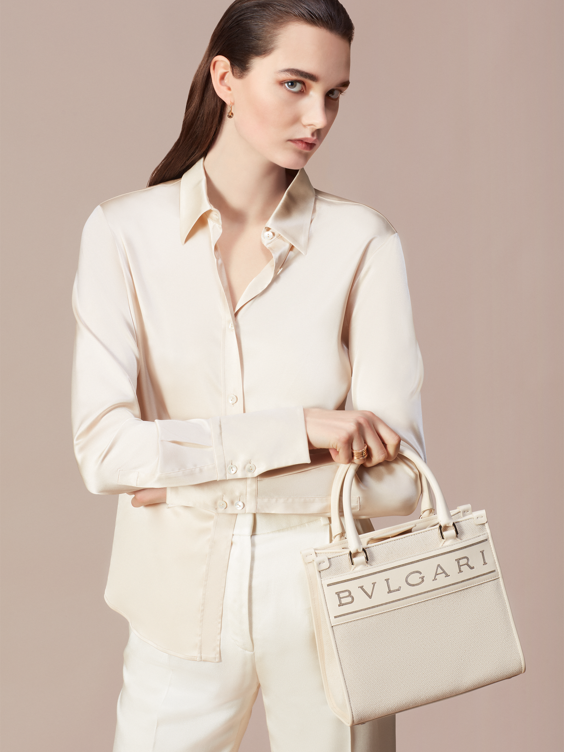 """""""Bvlgari Logo"""" small tote bag in Ivory Opal white canvas, with Beet Amethyst purple grosgrain inner lining. Bvlgari logo featured with light gold-plated brass chain inserts on the Ivory Opal white calf leather. BVL-1159-CC image 5"""
