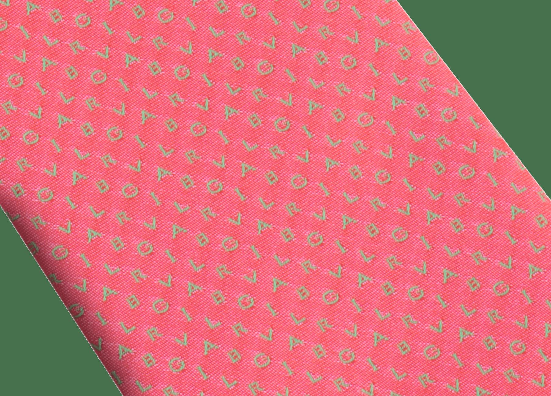 Cravatta sette pieghe rossa con motivo Bvlgari ShineBeth in pregiata seta jacquard. 244089 image 2