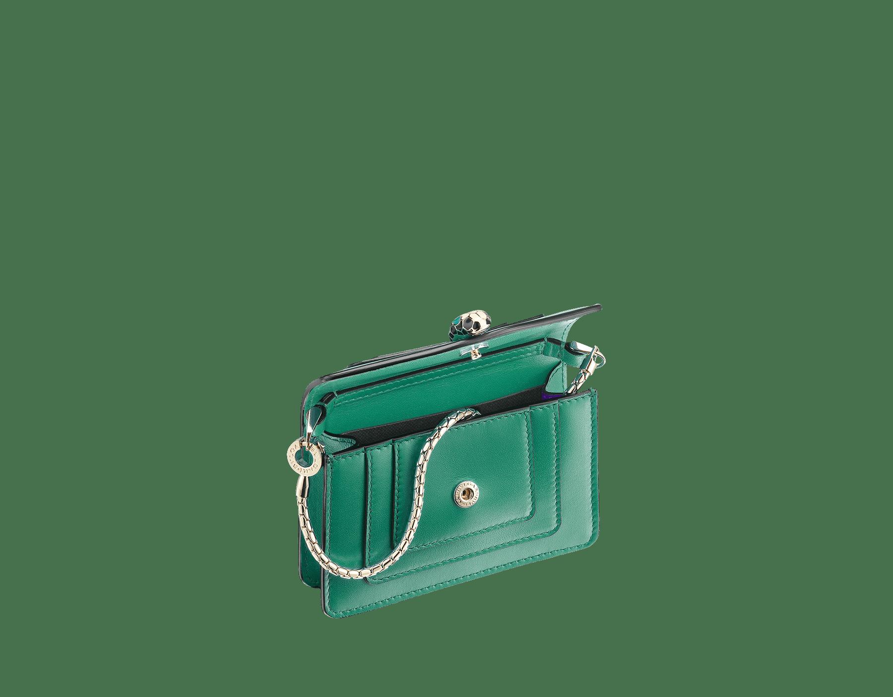 Bijou de sac Serpenti Forever miniature en cuir de veau vert émeraude et doublure en cuir de veau violet améthyste. 283244 image 2