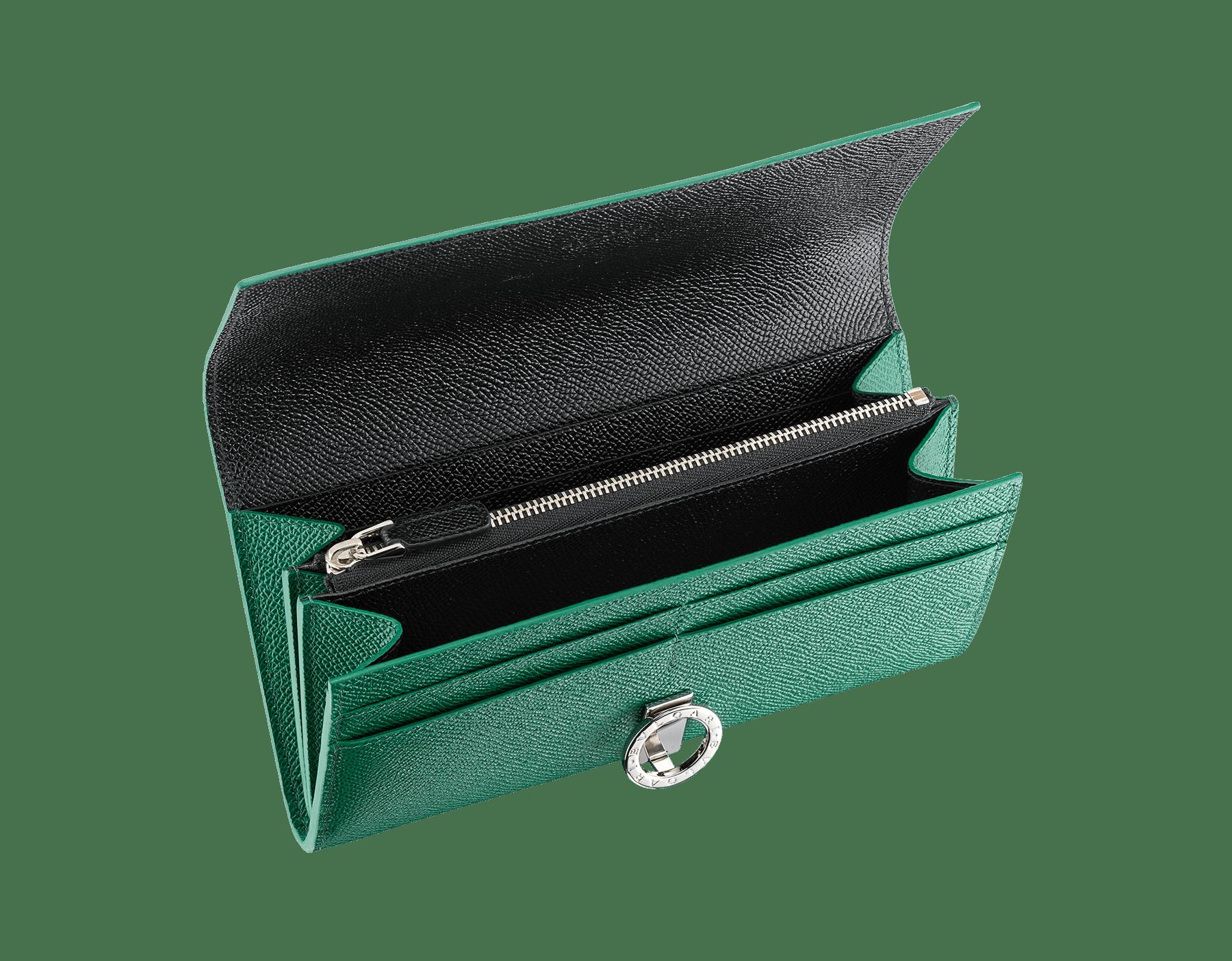 BVLGARI BVLGARI wallet pochette in emerald green and black grain calf leather. Iconic logo clip closure in palladium-plated brass. 289379 image 2