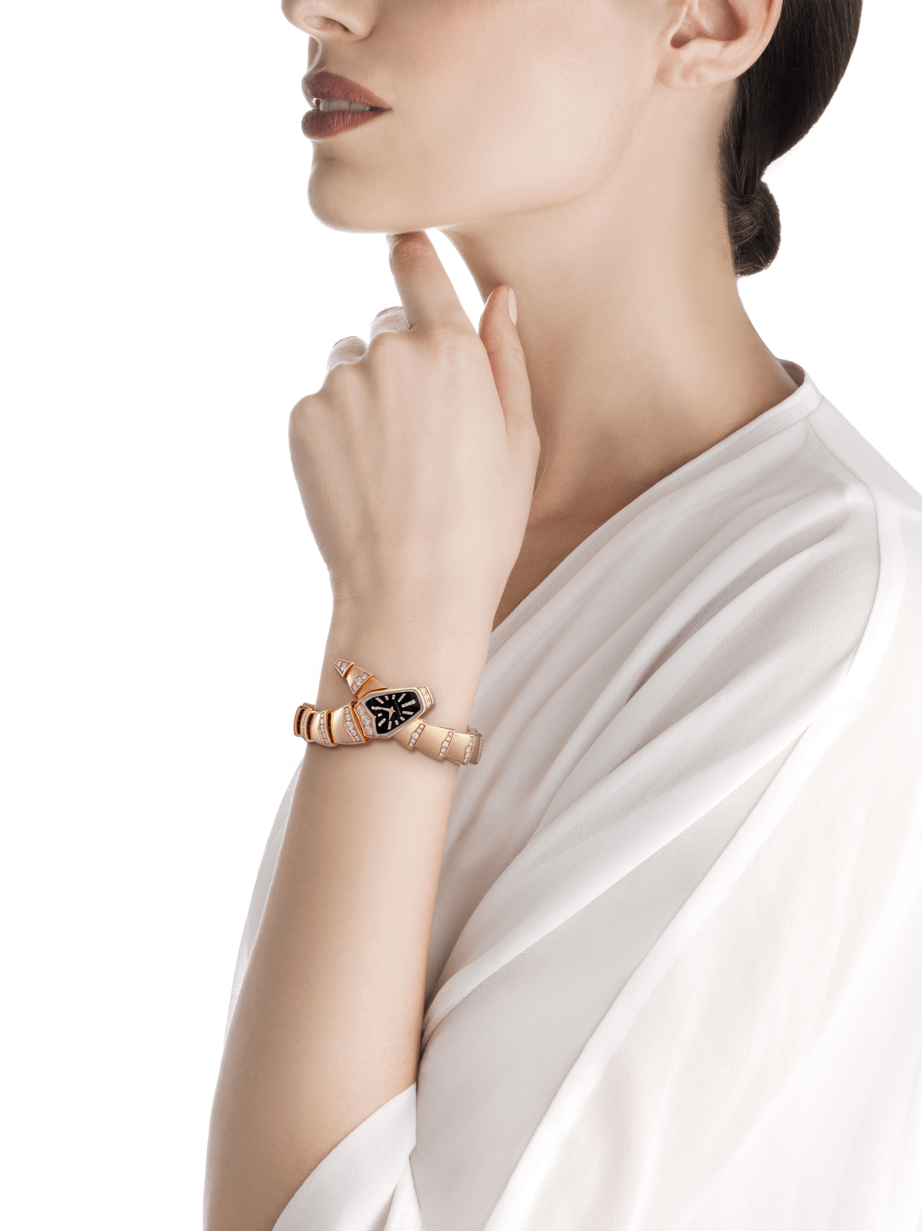 Serpenti Jewellery Watch in 18 kt rose gold case and single spiral bracelet, both set with brilliant cut diamonds, black sapphire crystal dial and brilliant cut diamond indexes. 102344 image 2