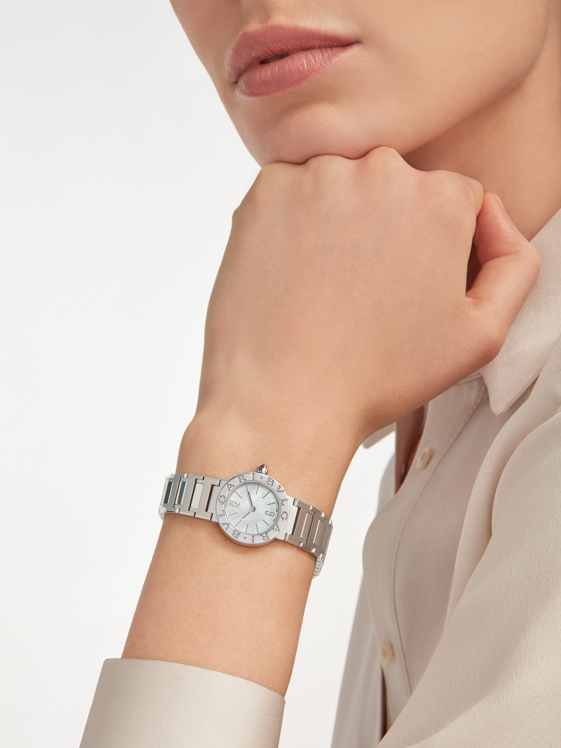BVLGARI BVLGARI watch in stainless steel case and bracelet, stainless steel bezel engraved with double logo and mother-of-pearl dial 103217 image 4