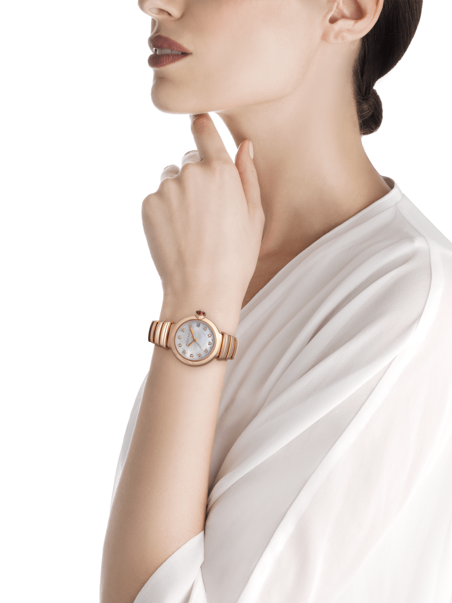 LVCEA watch in 18 kt rose gold case and bracelet, with white mother-of-pearl dial and diamond indexes. 102353 image 2