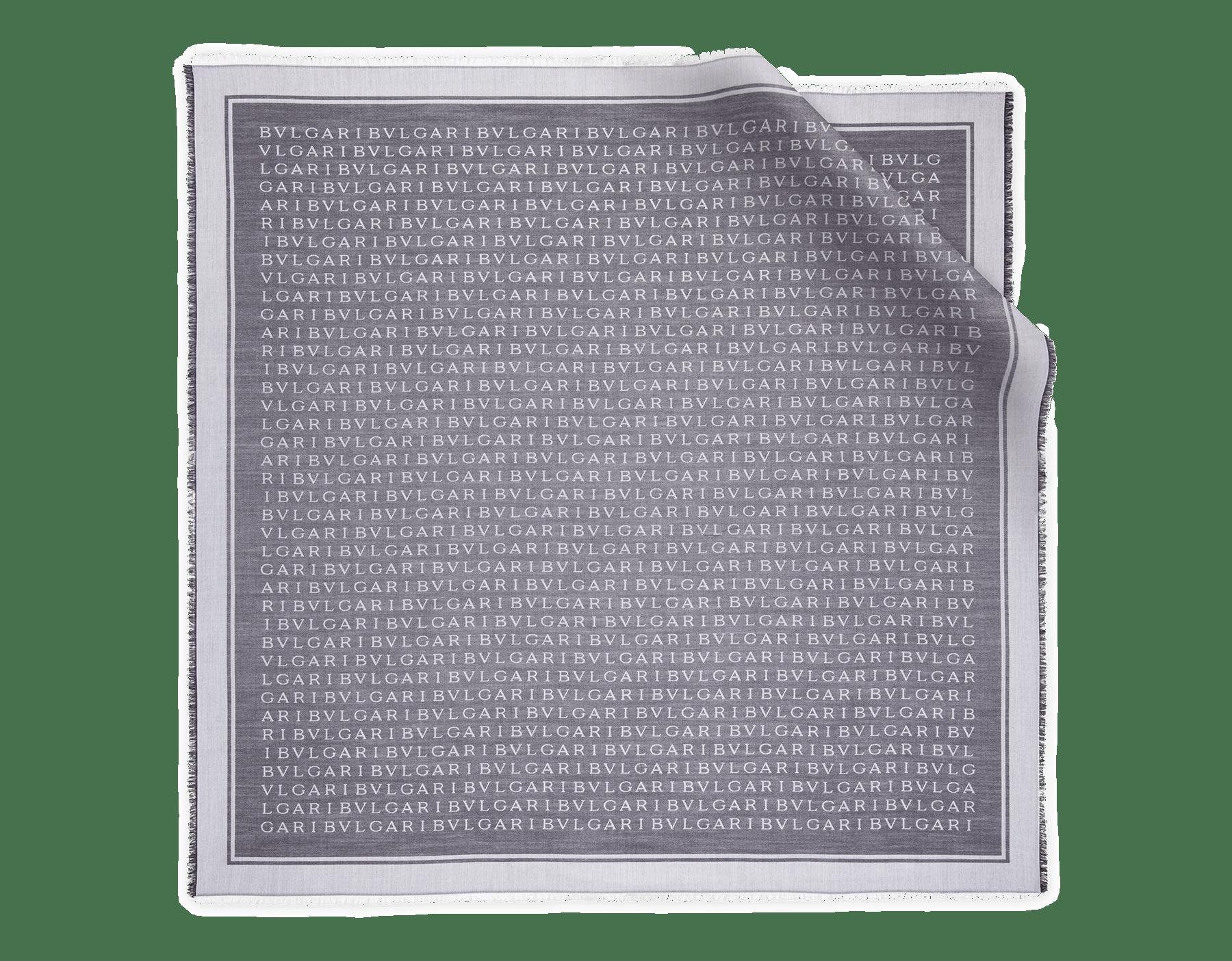 Pañuelo Lettere Maxi XL negro de lana de seda fina. 244235 image 2