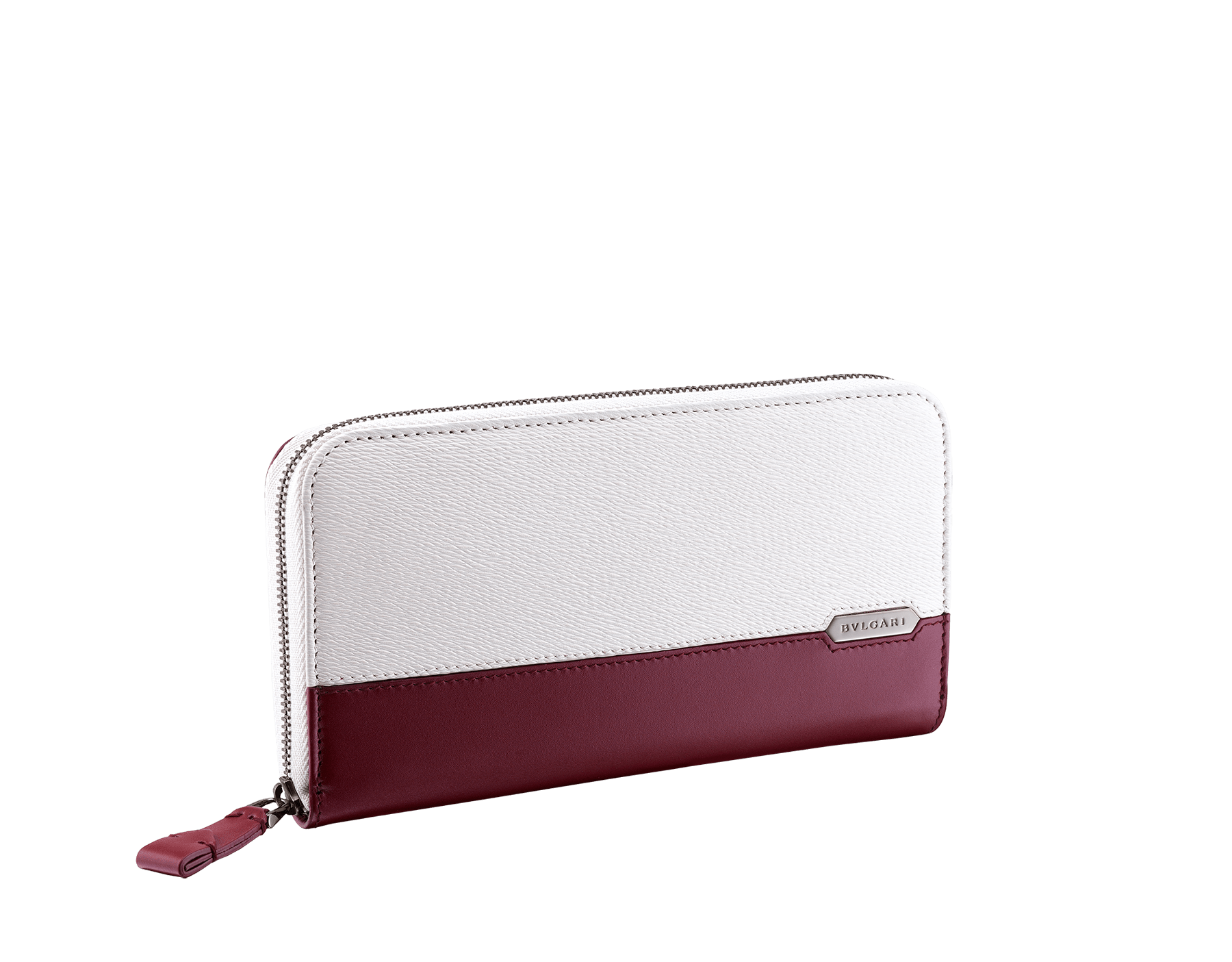 Serpenti Scaglie men's zipped wallet in white agate grazed calf leather and roman garnet calf leather. Bvlgari logo engraved on the hexagonal scaglie metal plate finished in dark ruthenium. 288344 image 1