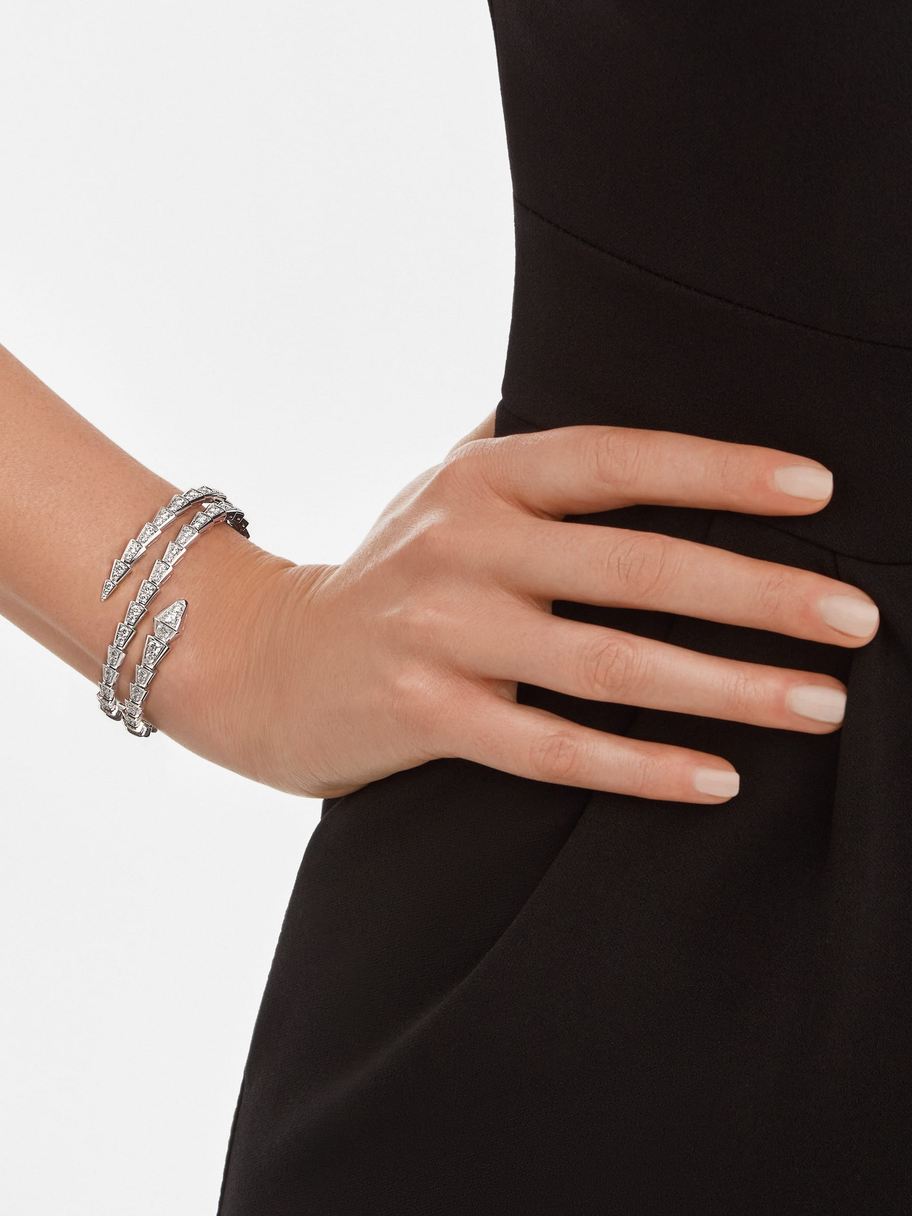 Serpenti Viper two-coil 18 kt white gold bracelet set with pavé diamonds BR858795 image 3