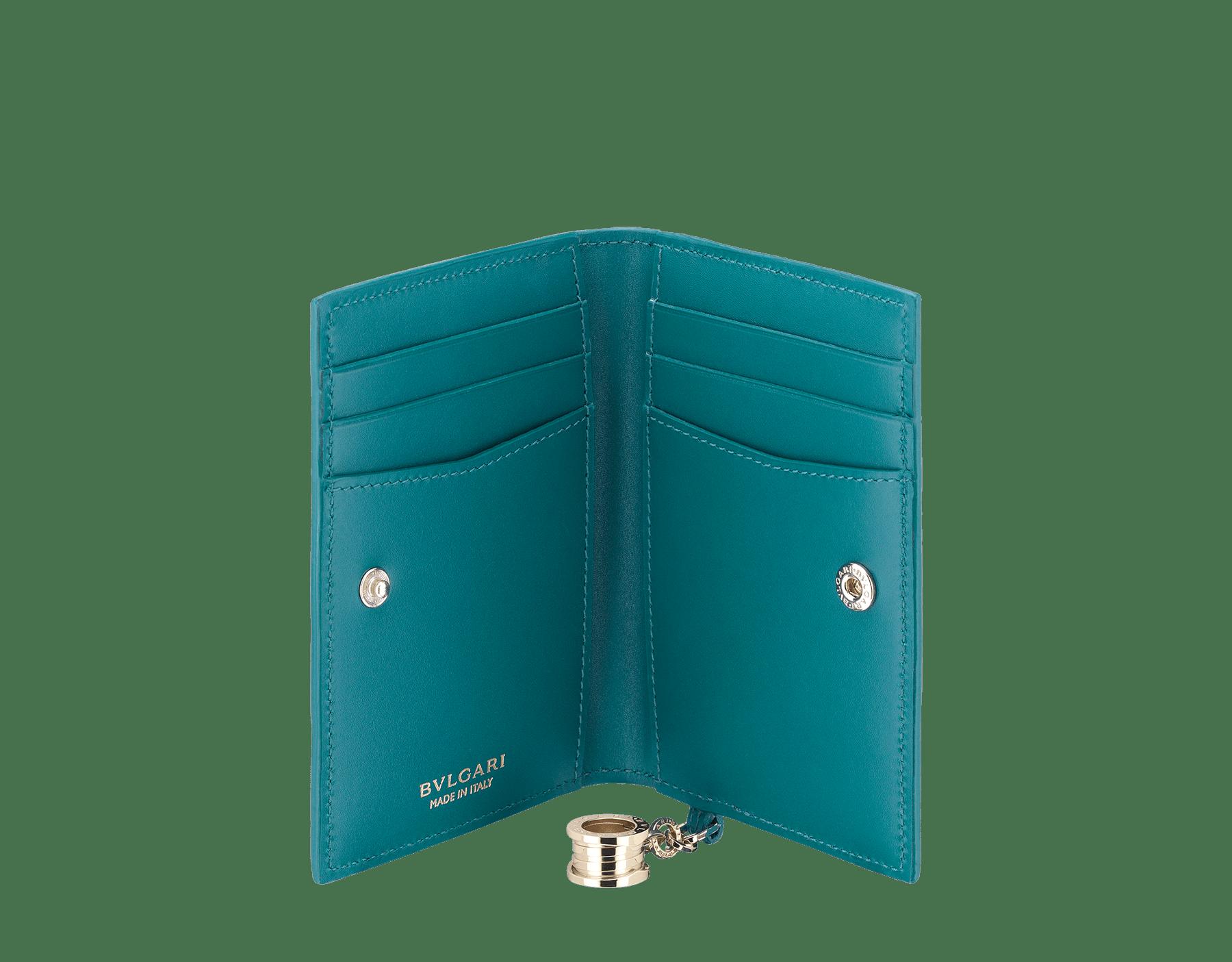 B.Zero1 熱帶綠松石色和深綠玉色羊皮折式信用卡夾。經典 B.Zero1 淡金色黃銅吊飾。 288238 image 2