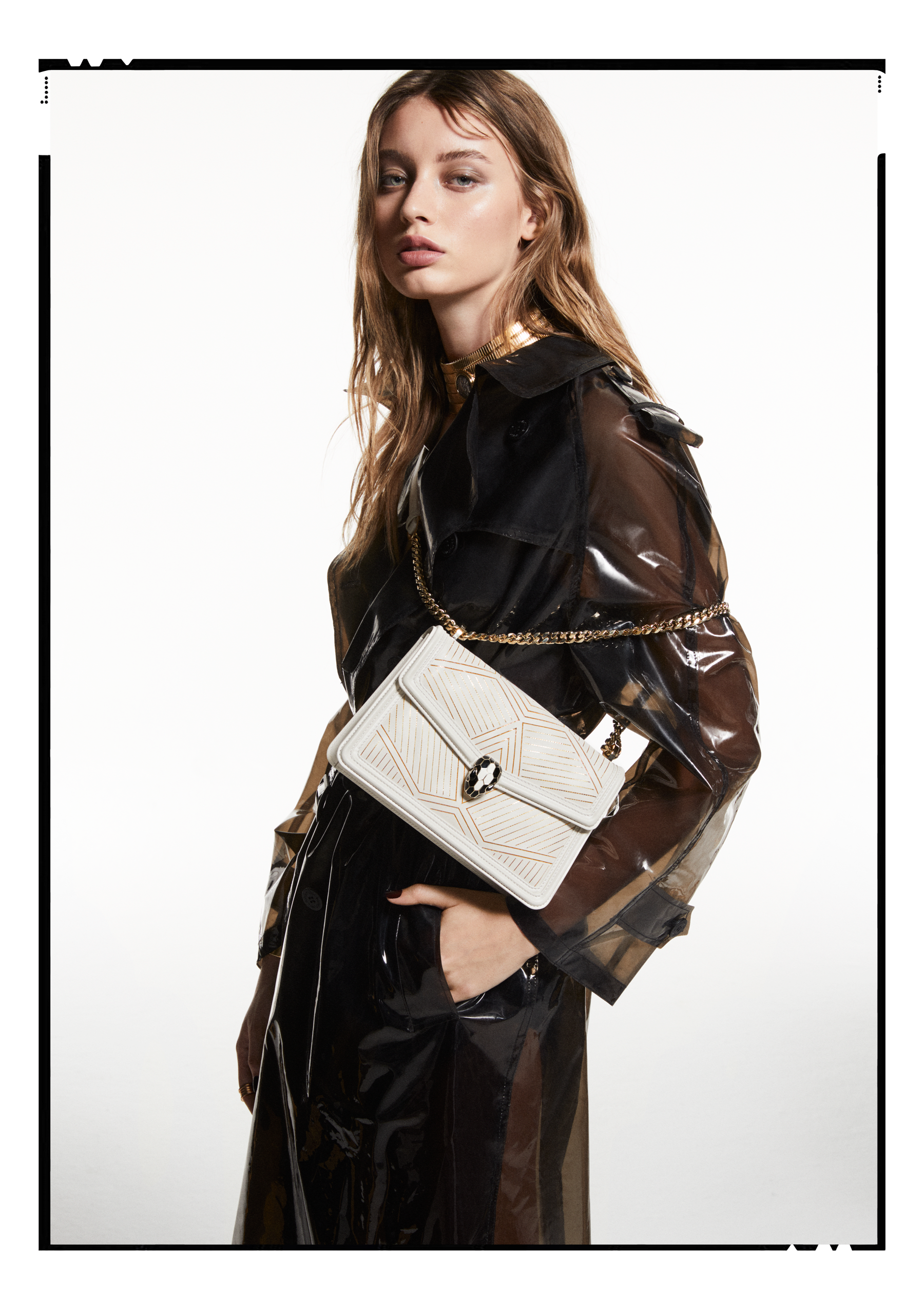 """Serpenti Diamond Blast"" shoulder bag in white agate calf leather, featuring a Whispy Chain motif in light gold finishing. Iconic snakehead closure in light gold plated brass enriched with black and white agate enamel and black onyx eyes. 922-WC image 5"