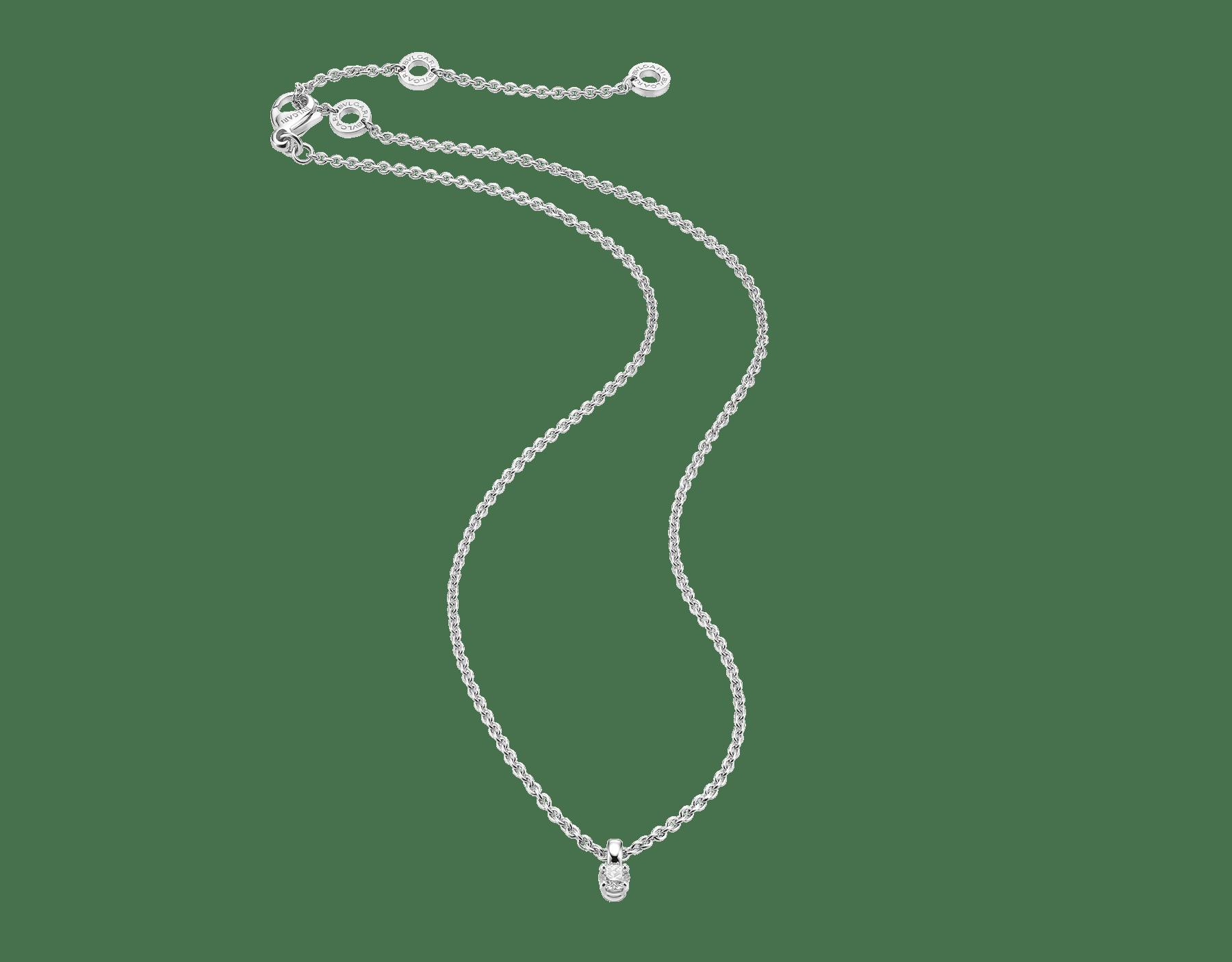 Colgante Griffe con cadena en oro blanco de 18 qt con diamante redondo talla brillante. Disponible a partir de 0,25 ct. Un engaste clásico que realza la belleza y la pureza del solitario. 348649 image 1
