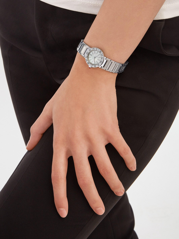 Montre BVLGARI BVLGARI avec boîtier et bracelet en acier inoxydable, lunette en acier inoxydable avec double logo gravé et cadran en nacre. 103217 image 1