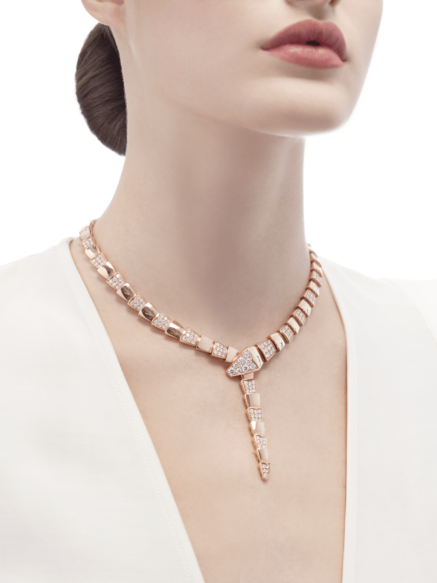 Serpenti necklace in 18 kt rose gold, set with demi pavé diamonds. 348166 image 2