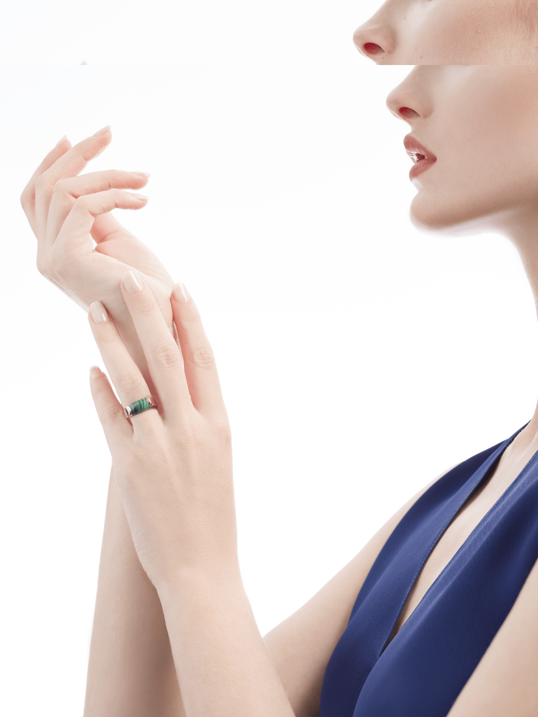 MVSA ring in 18 kt rose gold, set with a malachite. AN857913 image 4