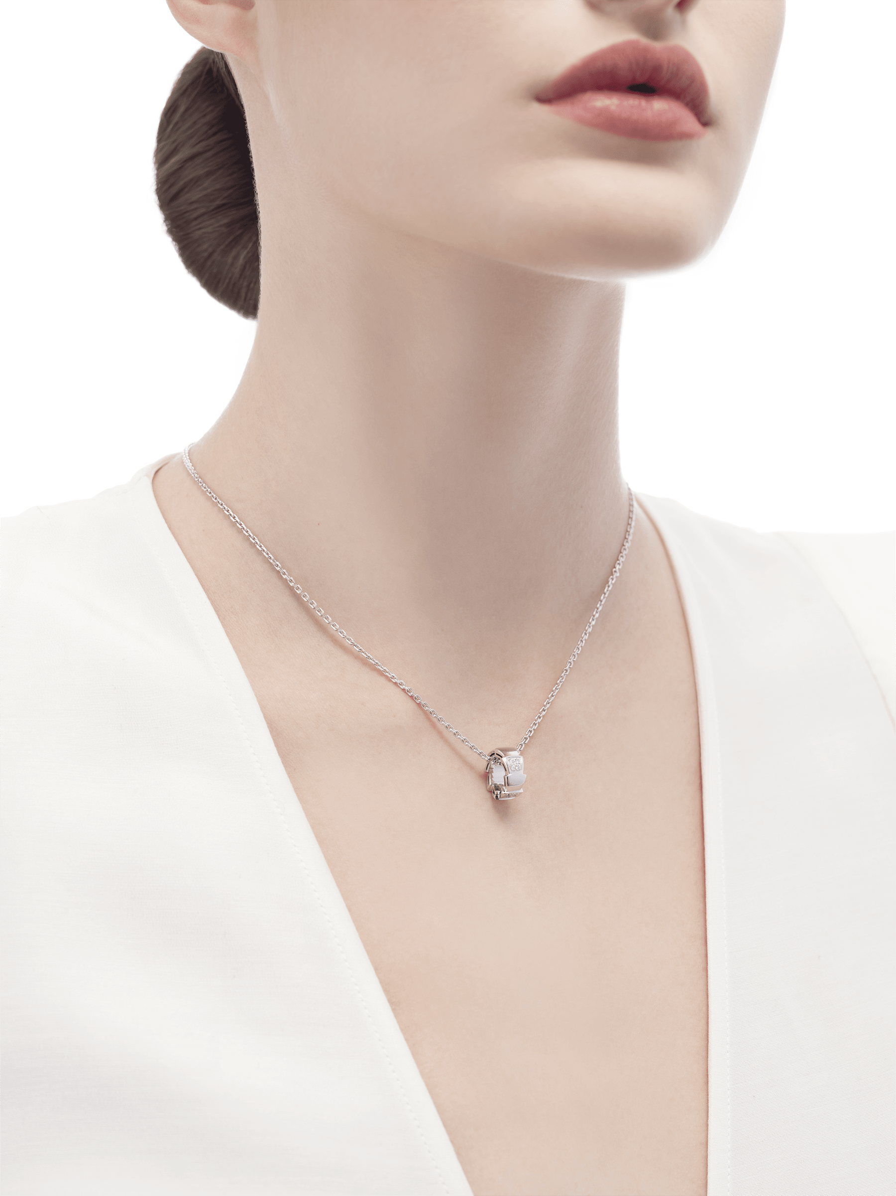 Serpenti Viper necklace with 18 kt white gold chain and 18 kt white gold pendant set with demi pavé diamonds.(0.21 ct) 355255 image 4