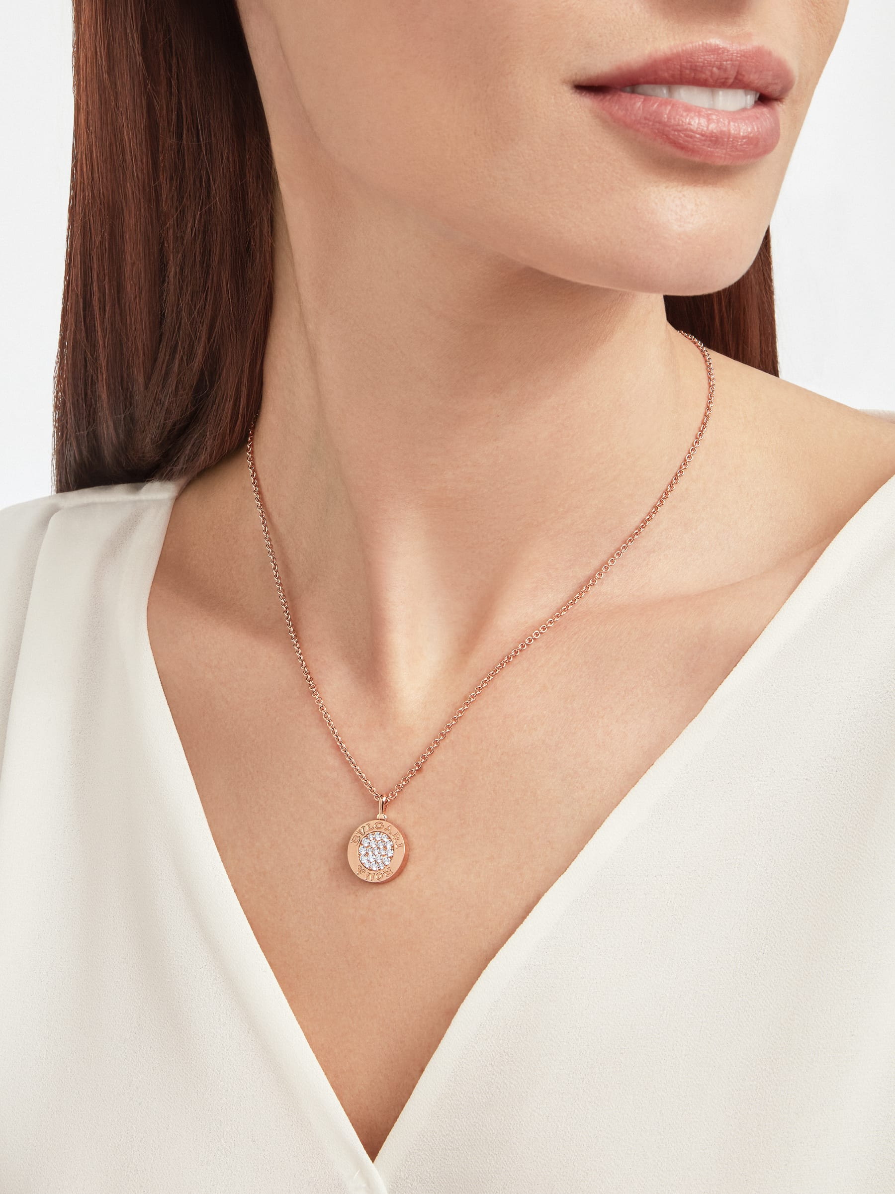 BVLGARI BVLGARI 18 kt rose gold chain and 18 kt rose gold pendant set with mother-of-pearl insert and pavé diamonds (0.34 ct) 358375 image 6