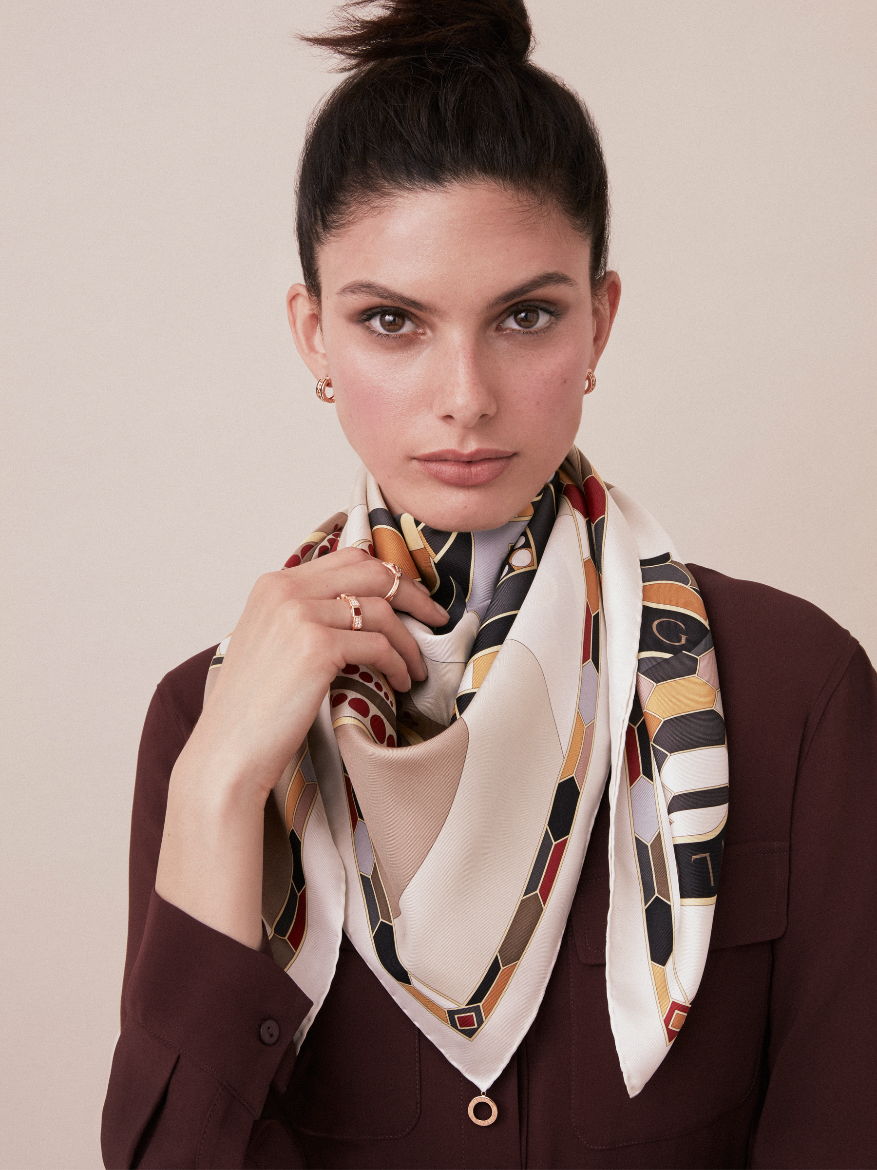 Black Cleopatra scarf in fine silk twill. Also available in other colours in-store. 90 x 90 cm. - 35.4 x 35.4 CLEOPATRA image 2