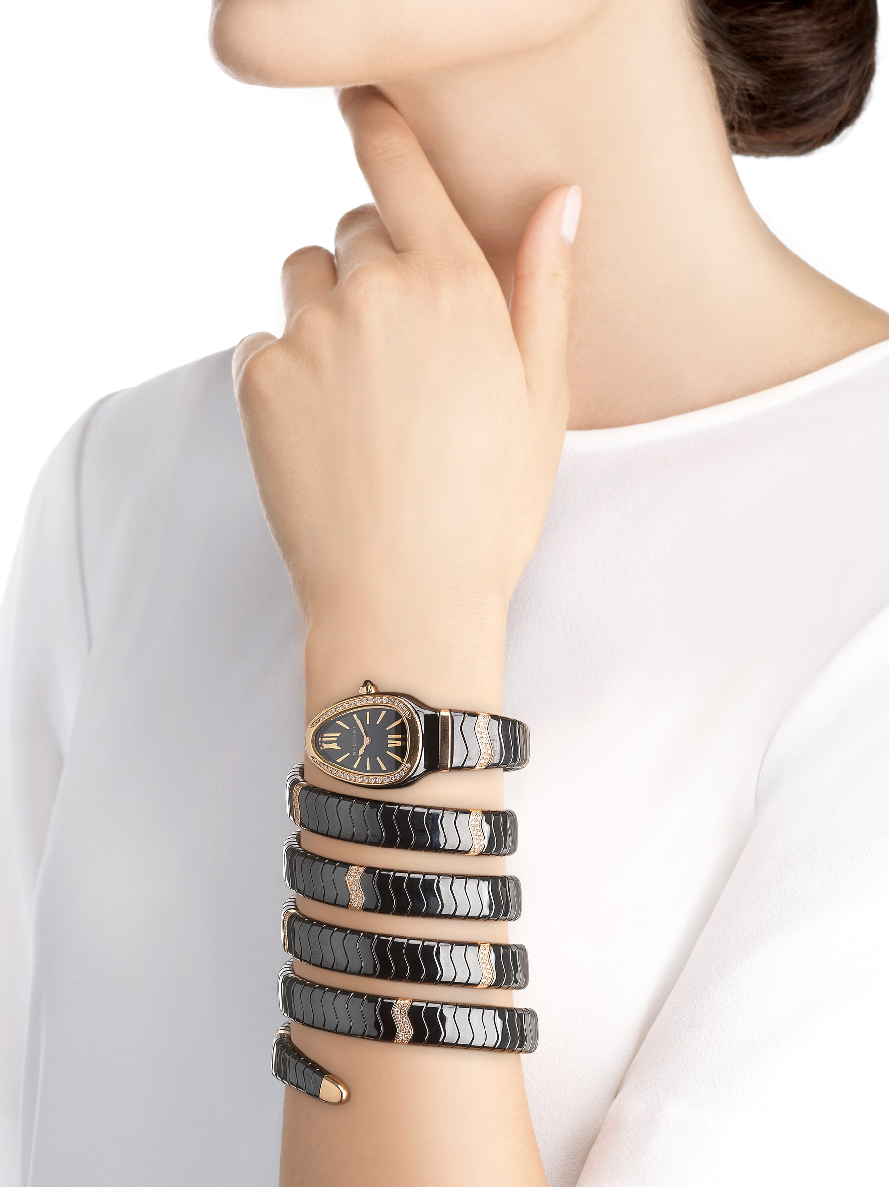 Serpenti Spiga five-spiral watch with black ceramic case, 18 kt rose gold bezel set with diamonds, black lacquered dial, black ceramic bracelet set with 18 kt rose gold elements and diamonds 102888 image 4