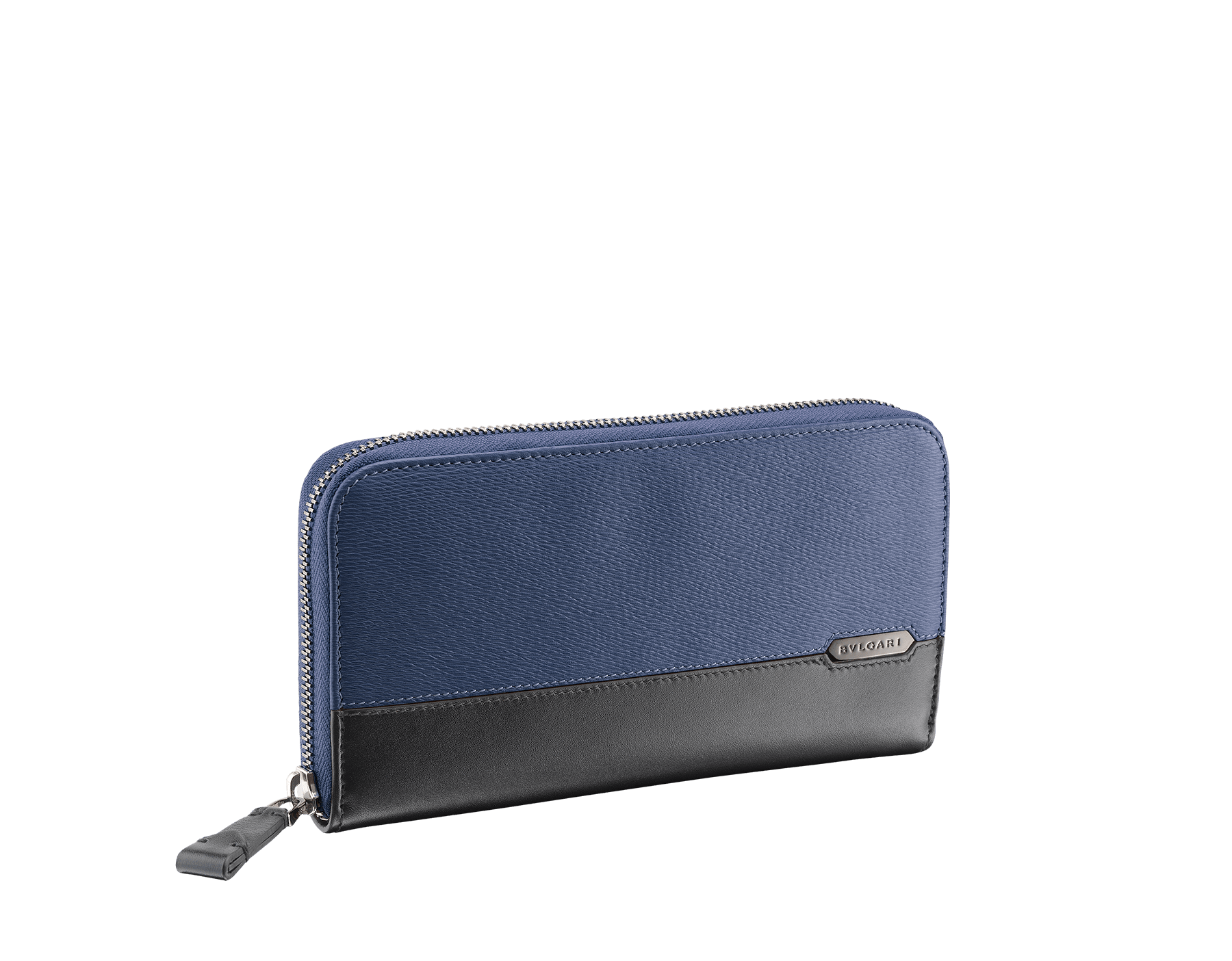Man zipped wallet in denim sapphire grazed calf leather and black calf leather. Bulgari logo on iconic Serpenti Scaglie Man metal plate finished in dark ruthenium. 282779 image 1