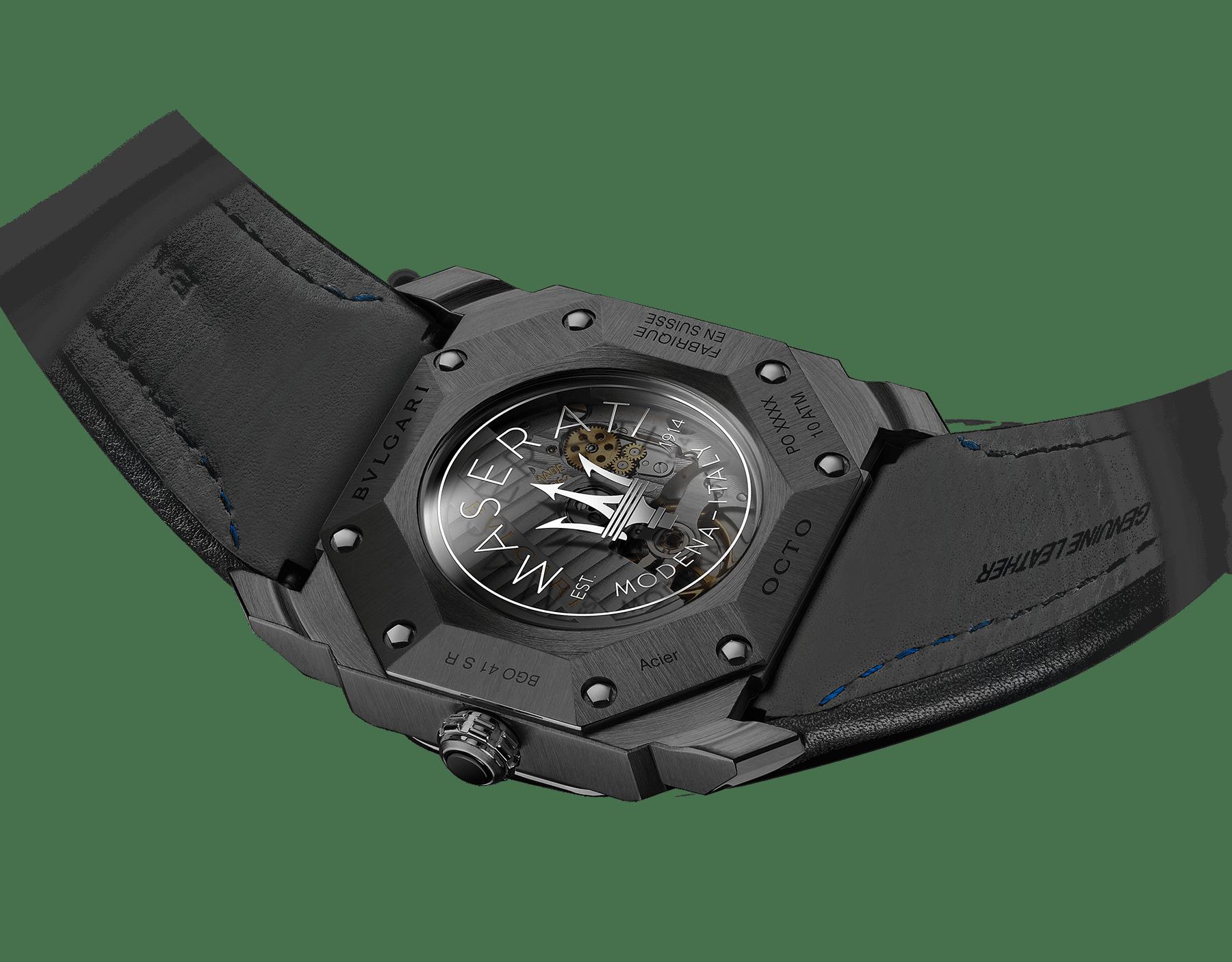 Relógio Octo Maserati GranSport edição limitada Mono-Retro com movimento de manufatura mecânico, corda automática, horas saltantes e minutos retrógrados. Caixa em aço inoxidável com tratamento em carbono tipo diamante (DLC) preto, mostrador preto e pulseira em couro preto. 102717 image 3