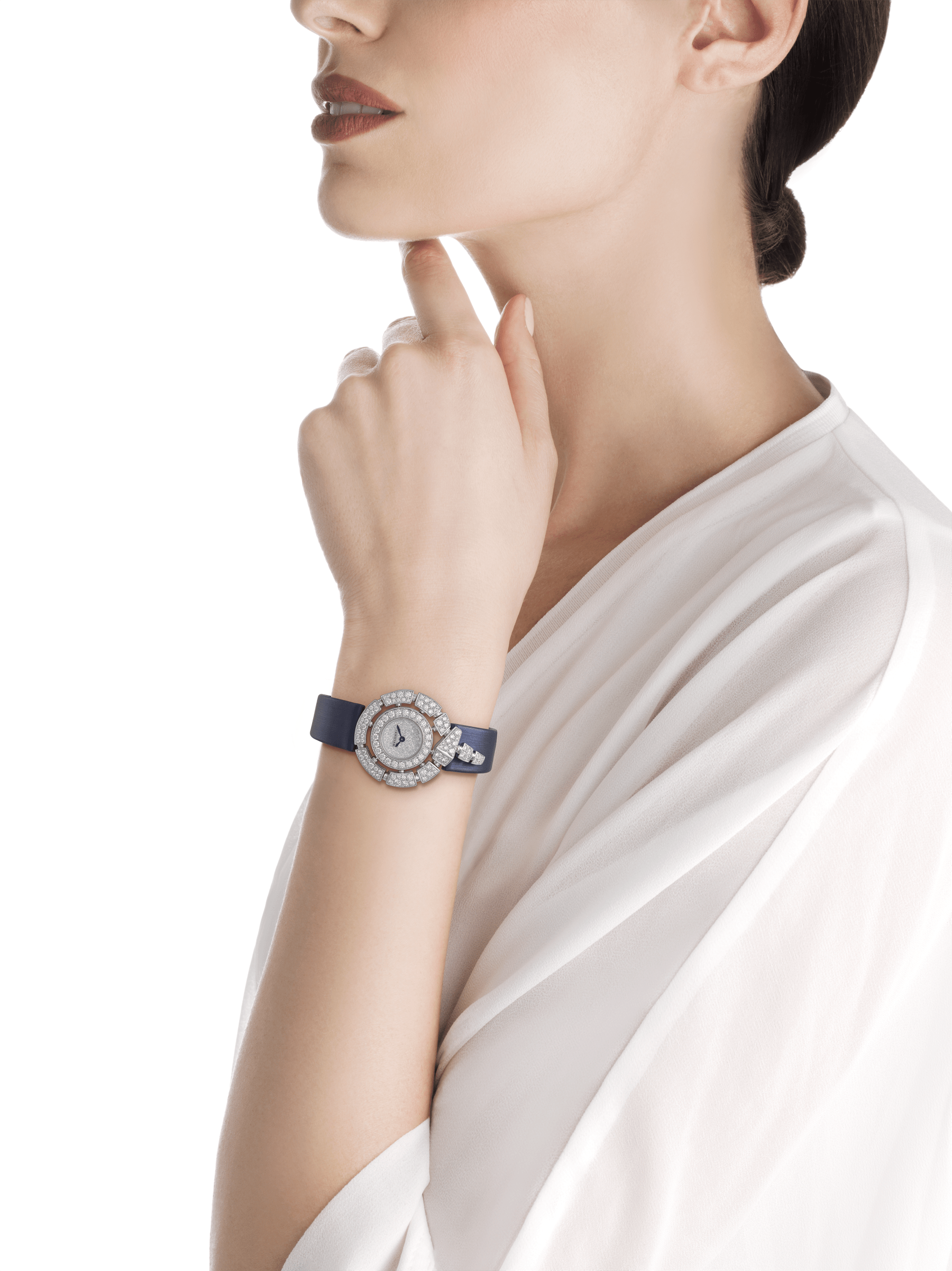 Serpenti Incantati watch with 18kt white gold case set with brilliant cut diamonds, snow-pavé diamond dial and blue satin bracelet. 102538 image 2